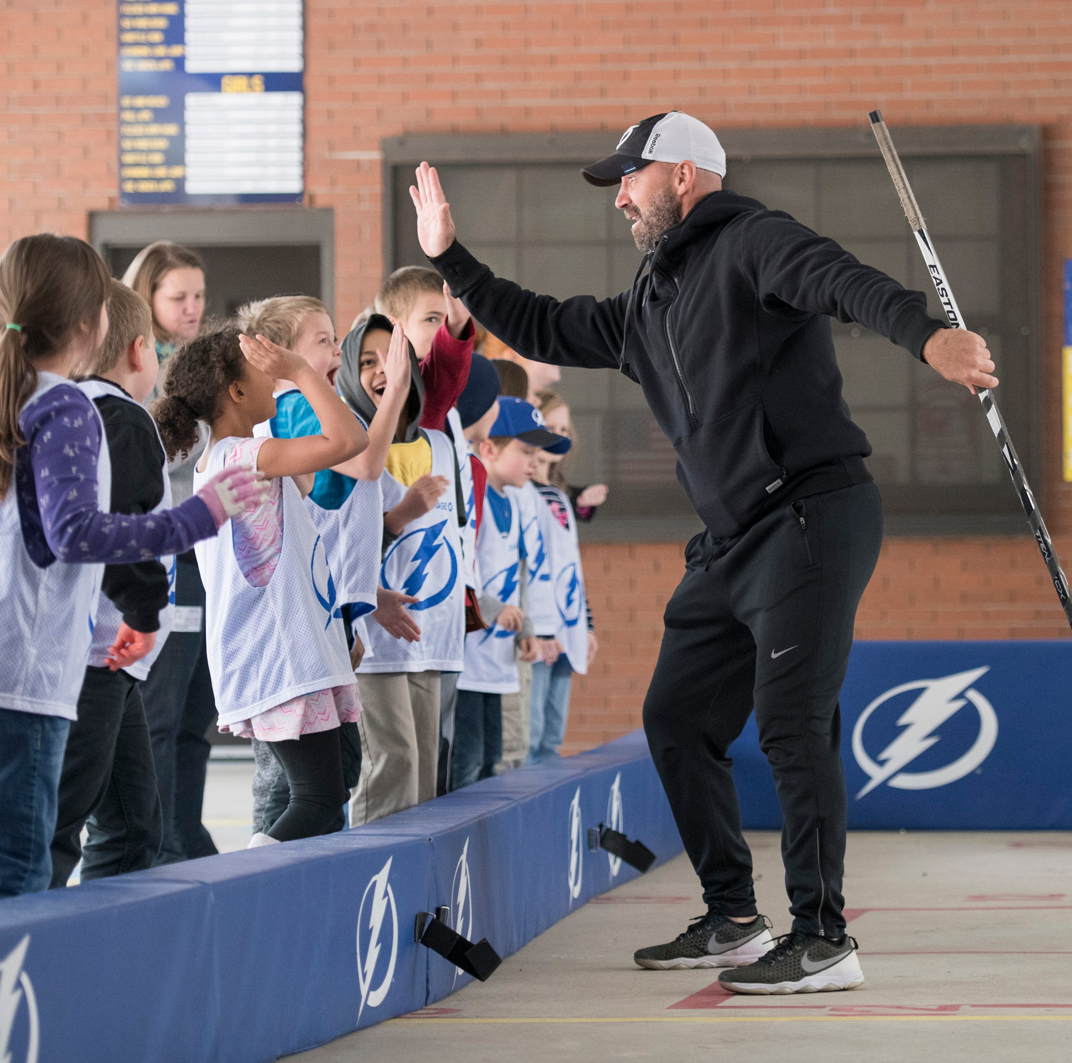 Former Ice Pilots' star Metropolit, Ice Flyers players help grow game with kids