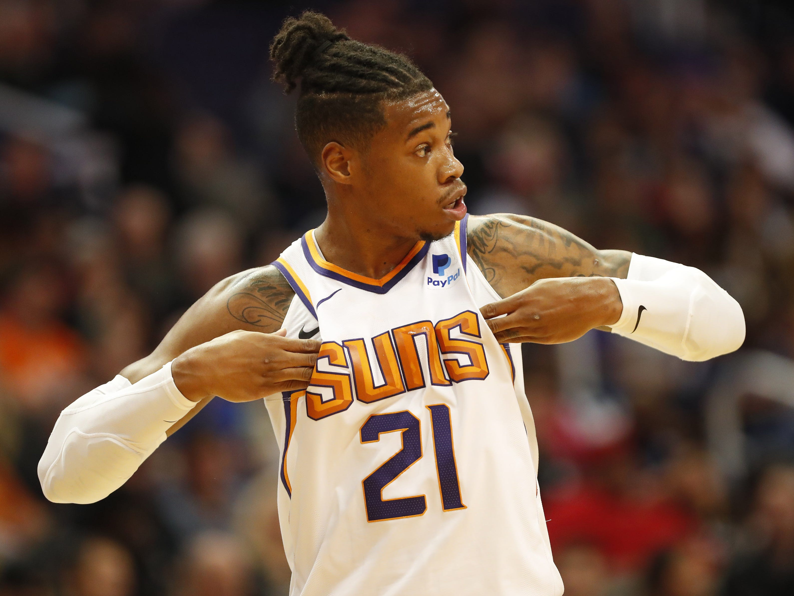 Phoenix Suns forward Richaun Holmes (21) checks into the game against the Indiana Pacers during the second quarter November 27.