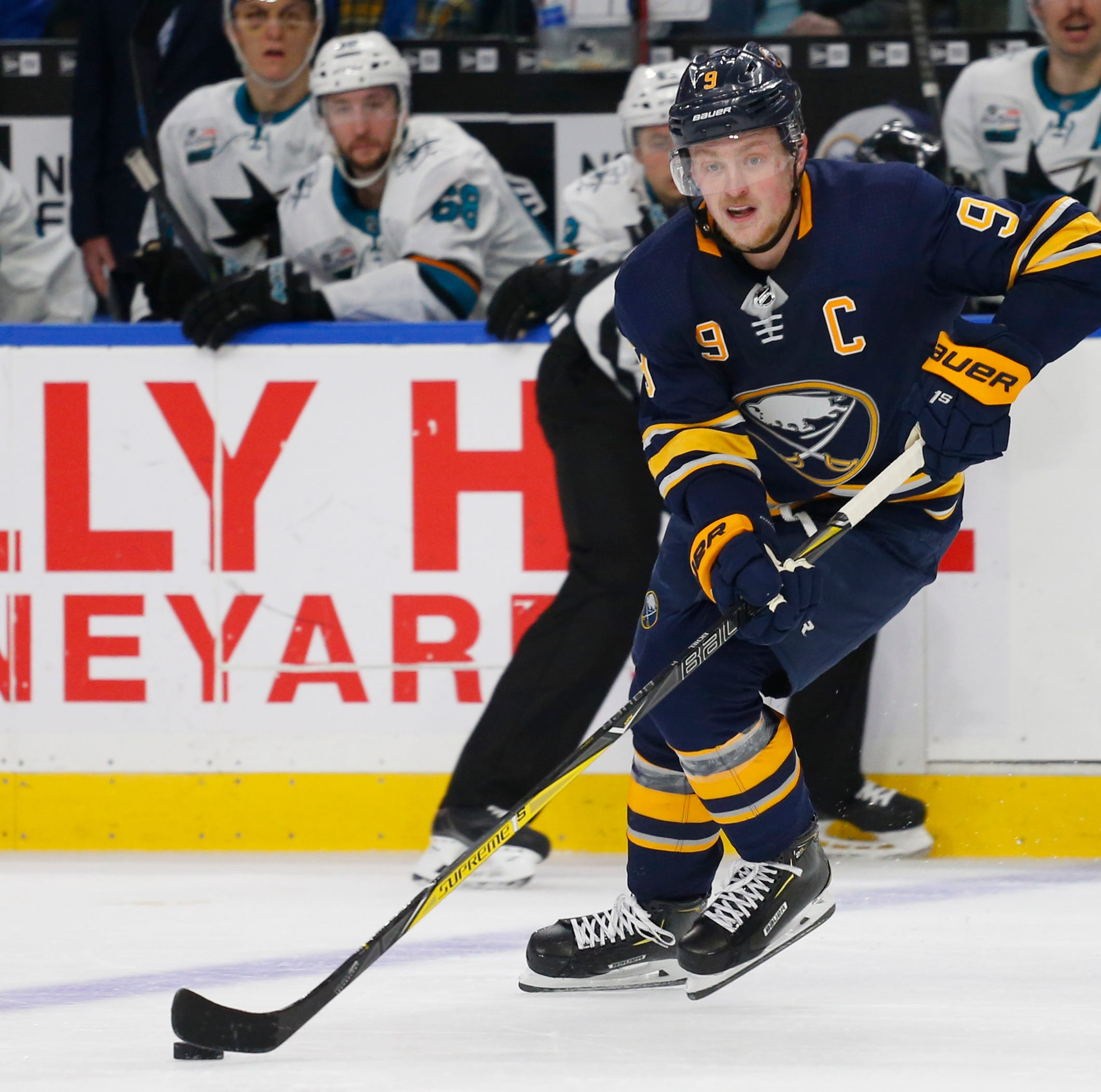 Roth: Jason Pominville was least of Buffalo Sabres' problems
