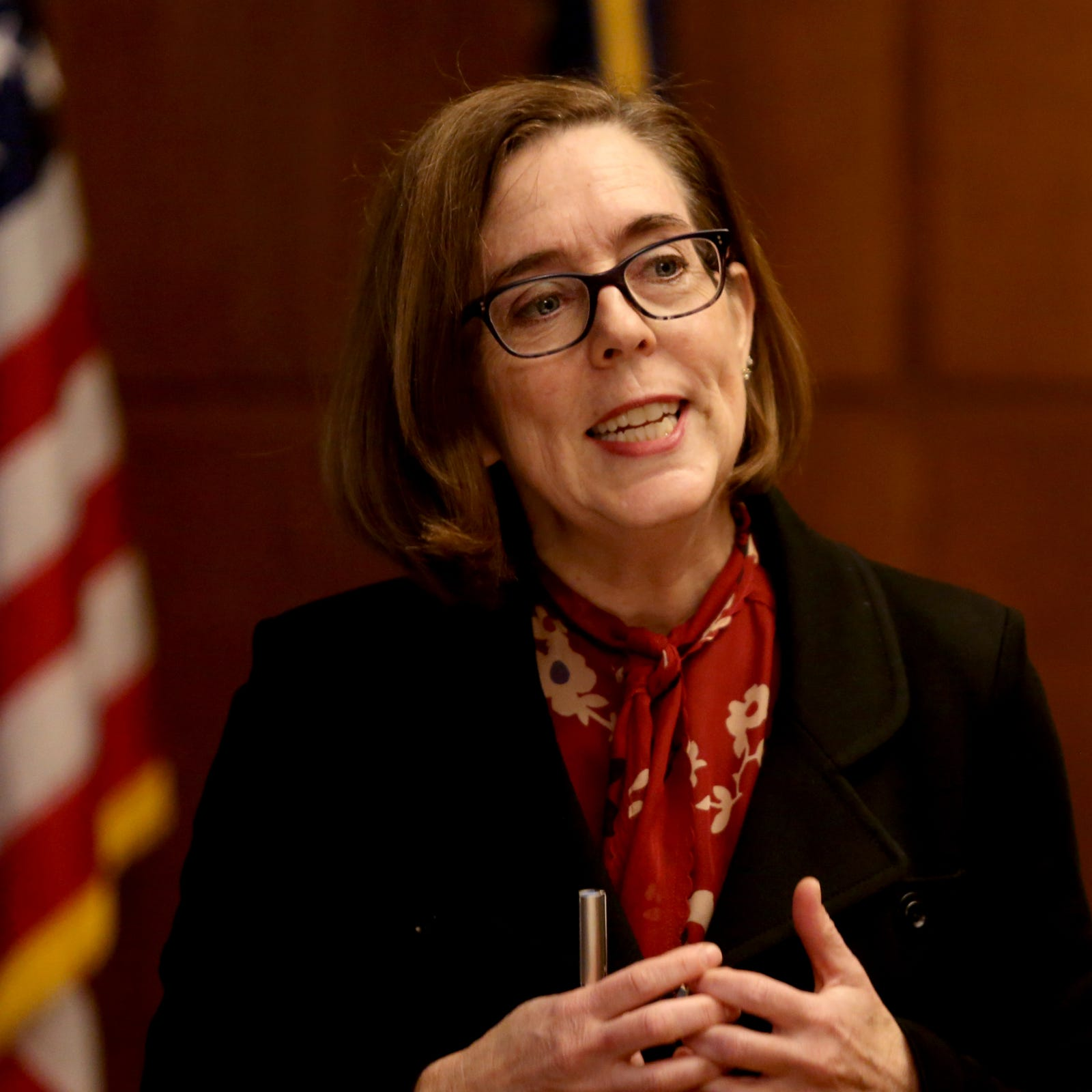 Ethics commission dismisses complaint filed against Gov. Kate Brown