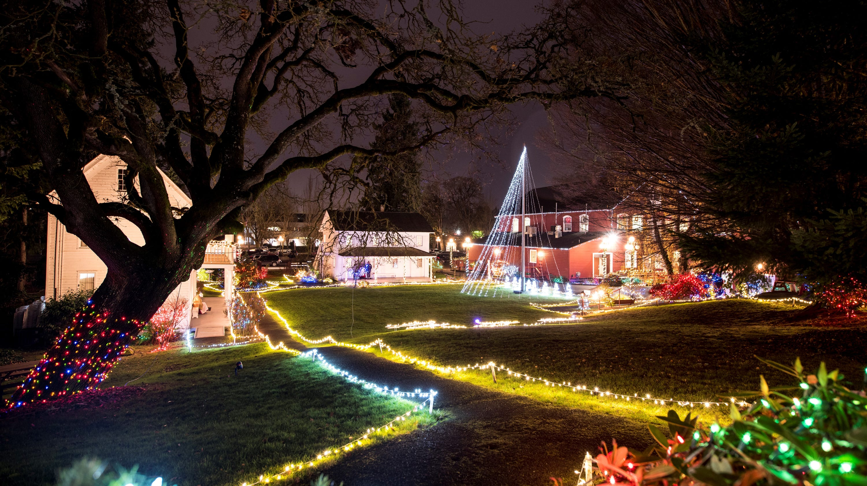 Holiday light events in Salem, Oregon throughout December 2019