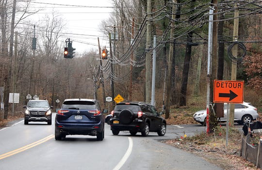 Cars line up on Route 117 before trying to turn on Roaring Brook Road in Chappaqua Nov. 26, 2018.