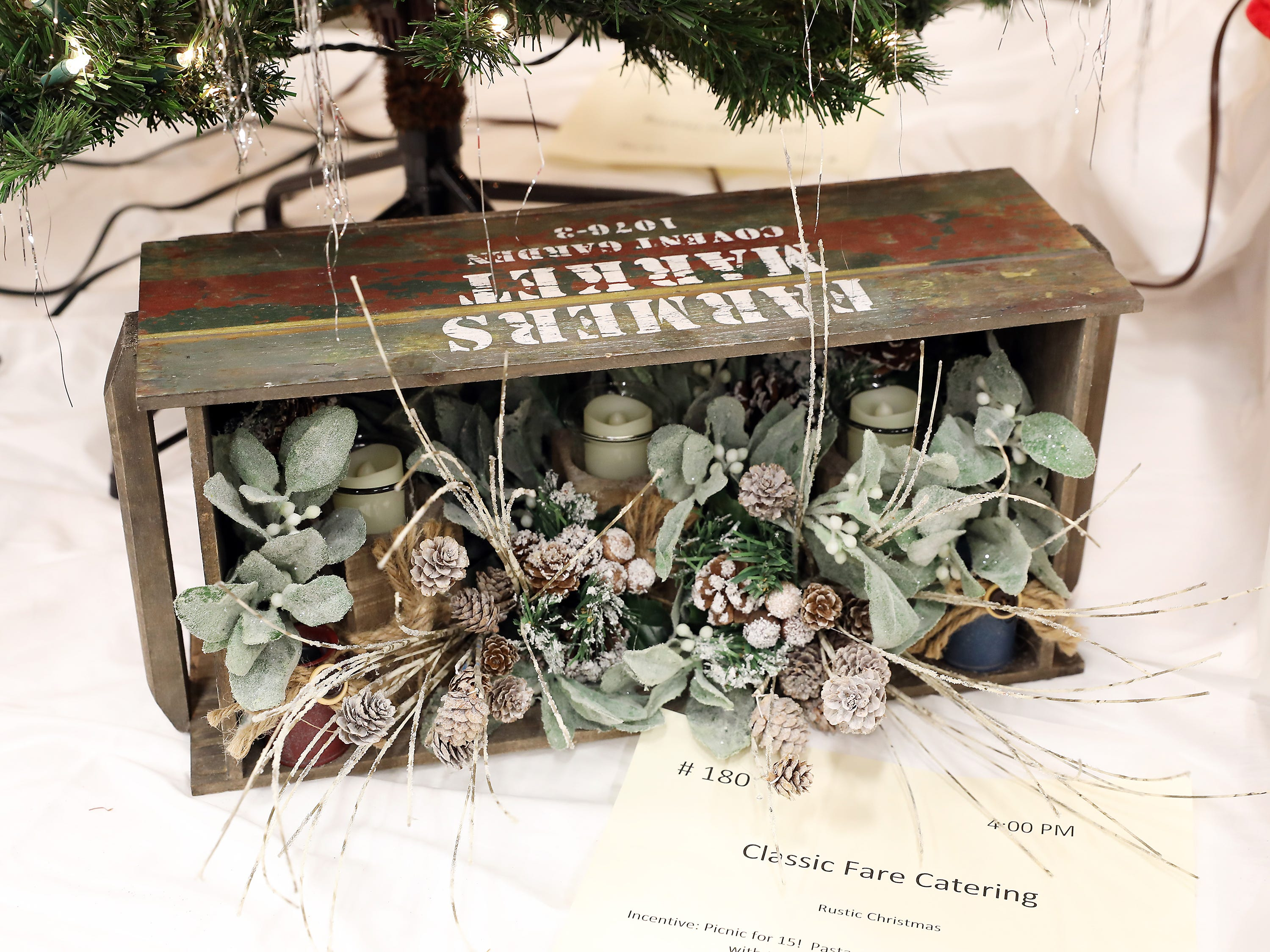 1804:00 PMClassic Fare CateringOtherRustic ChristmasFarmhouse style bowl with candles and winter greenery.Picnic for 15!  Pasta salad, baked beans, grilled burgers with toppings, hot dogs and cookies.