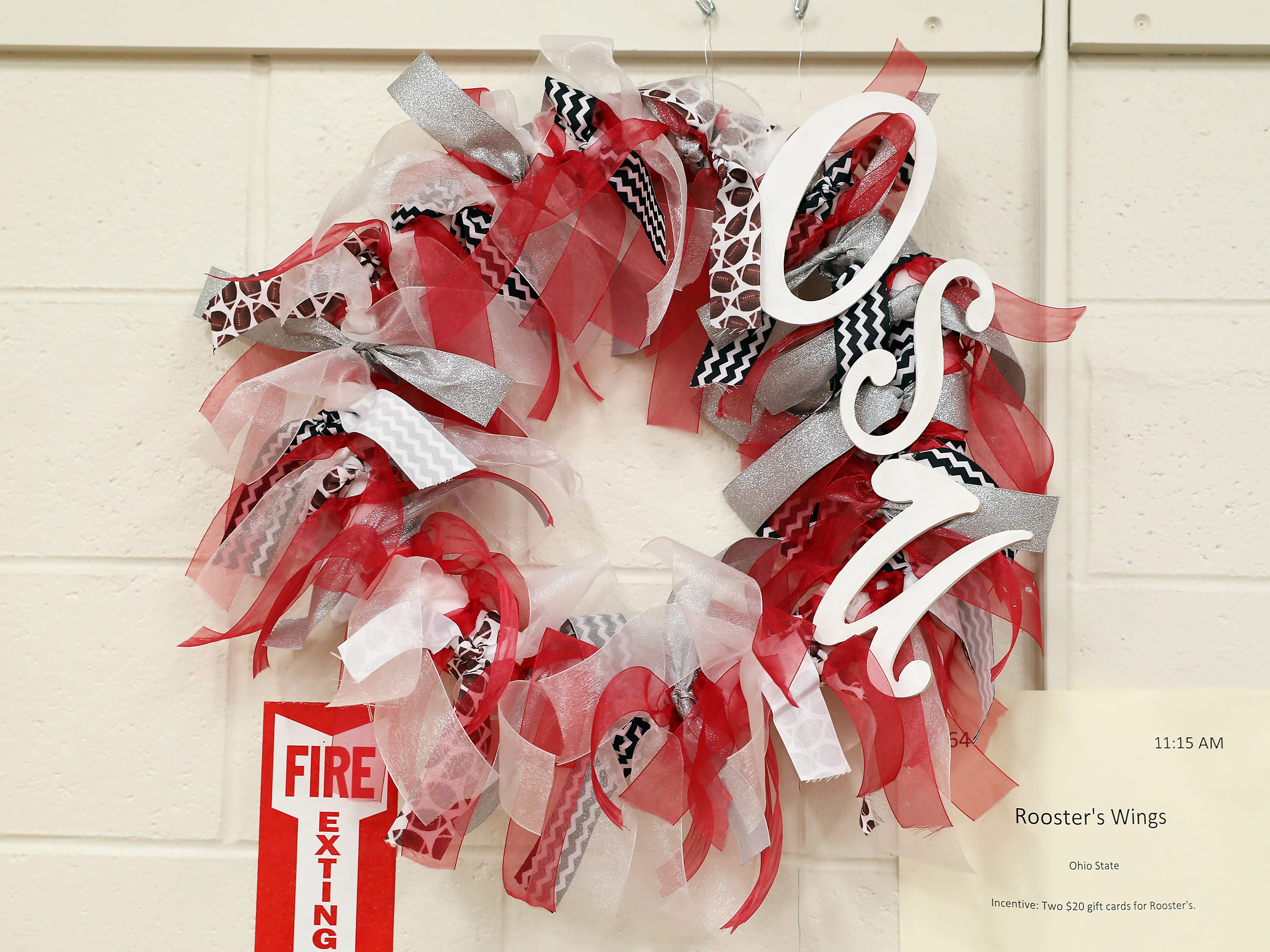 64	11:15 AM	Rooster's Wings	Wreath	Ohio State	Ohio State themed wreath.		Two $20 gift cards for Rooster's.