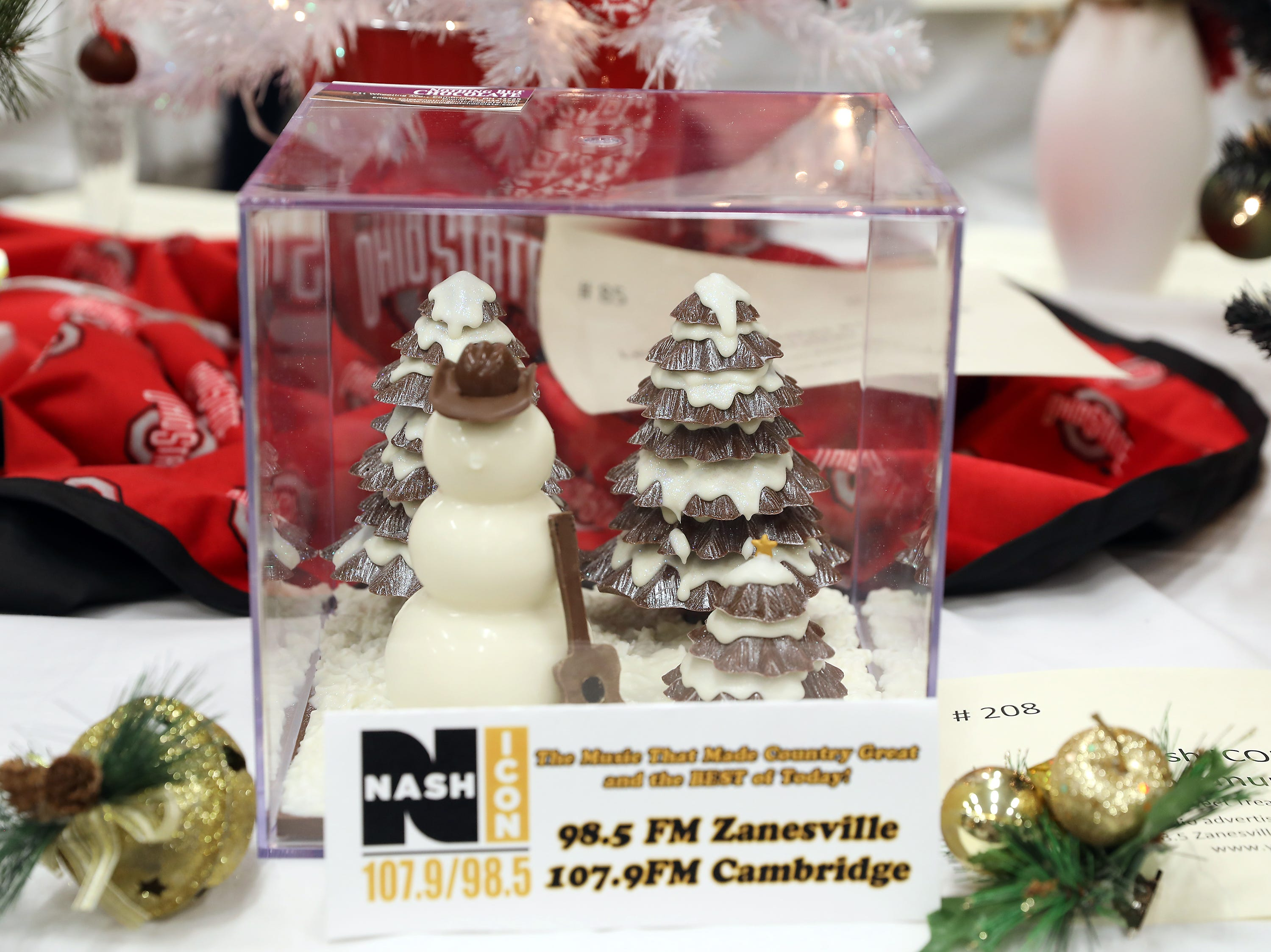 208	5:15 PM	Nash ICON / AVC Communications	Centerpiece	A Sweet Treat for the Holidays!	This jolly chocolate snowman will turn any holiday party into a sweet treat for your sweetest.		Radio advertising package for Nash ICOn 107.9 Cambridge, 98.5 Zanesville.  48 Radio spots and Banner Ad on www.yourradioplace.com
