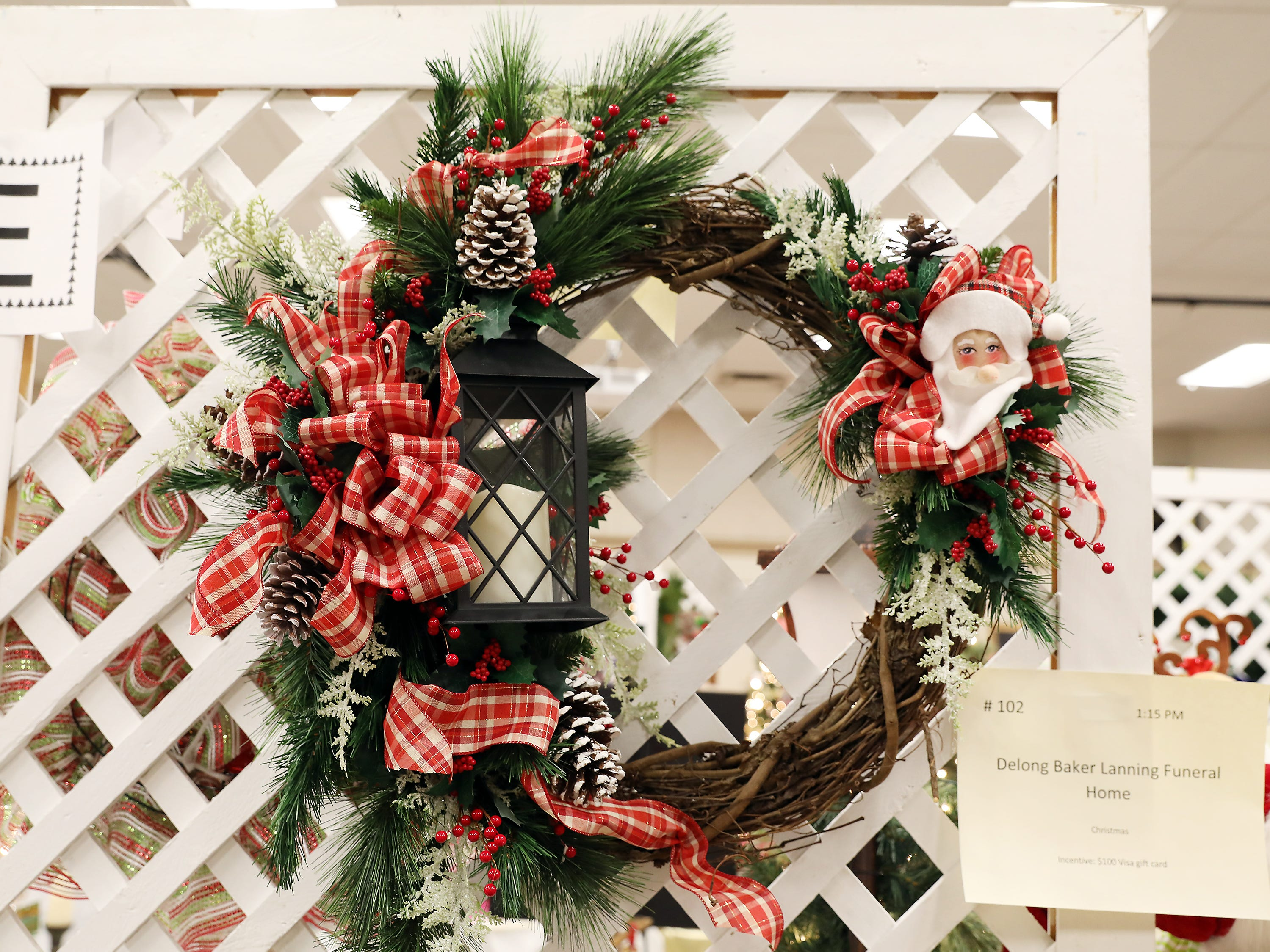 102	1:15 PM	Delong Baker Lanning Funeral Home	Wreath	Christmas	A winter wreath decorated for Christmas		$100 Visa gift card