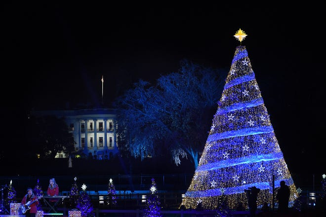 WASHINGTON, DC - NOVEMBER 30: The 95th annual National Christmas Tree Lighting is held by the National Park Service at the White House Ellipse in Washington, D.C., November 30, 2017. The Beach Boys, Wynonna, The Texas Tenors, Craig Campbell were among the artists who provided the entertainment. (Photo by Astrid Riecken/Getty Images)