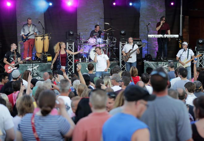 Boogie and the Yo-Yo-z will play the main stage Saturday night at the Great Wisconsin Cheese Festival in Little Chute.
