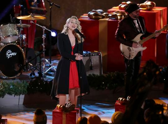 Kellie Pickler performs on stage during the 86th annual Rockefeller Center Christmas Tree Lighting Ceremony on Wednesday, Nov. 28, 2018, in New York. (Photo by Brent N. Clarke/Invision/AP)