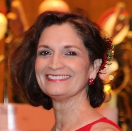 Diana Liz Gallego Headshot