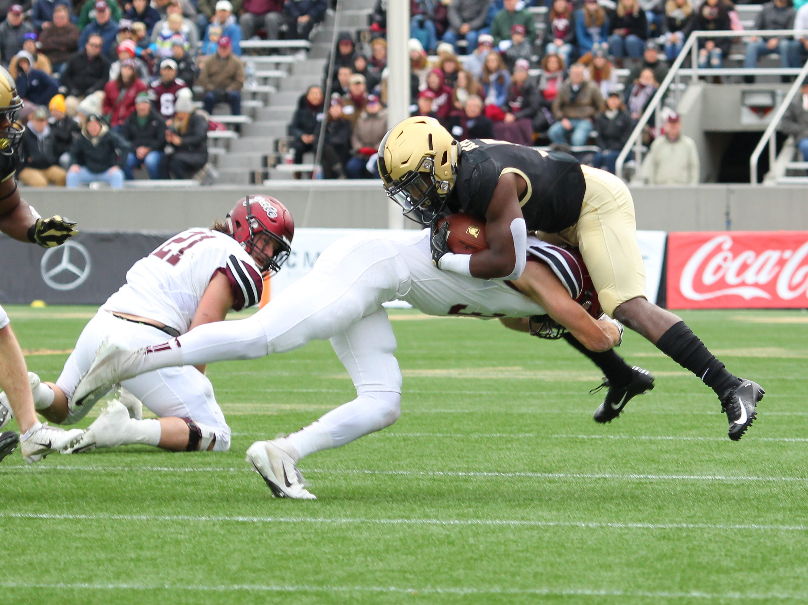 Maine-Endwell grad Alec Wisniewski makes a tackle in Colgate's 28-14 loss to Army on Nov. 17.