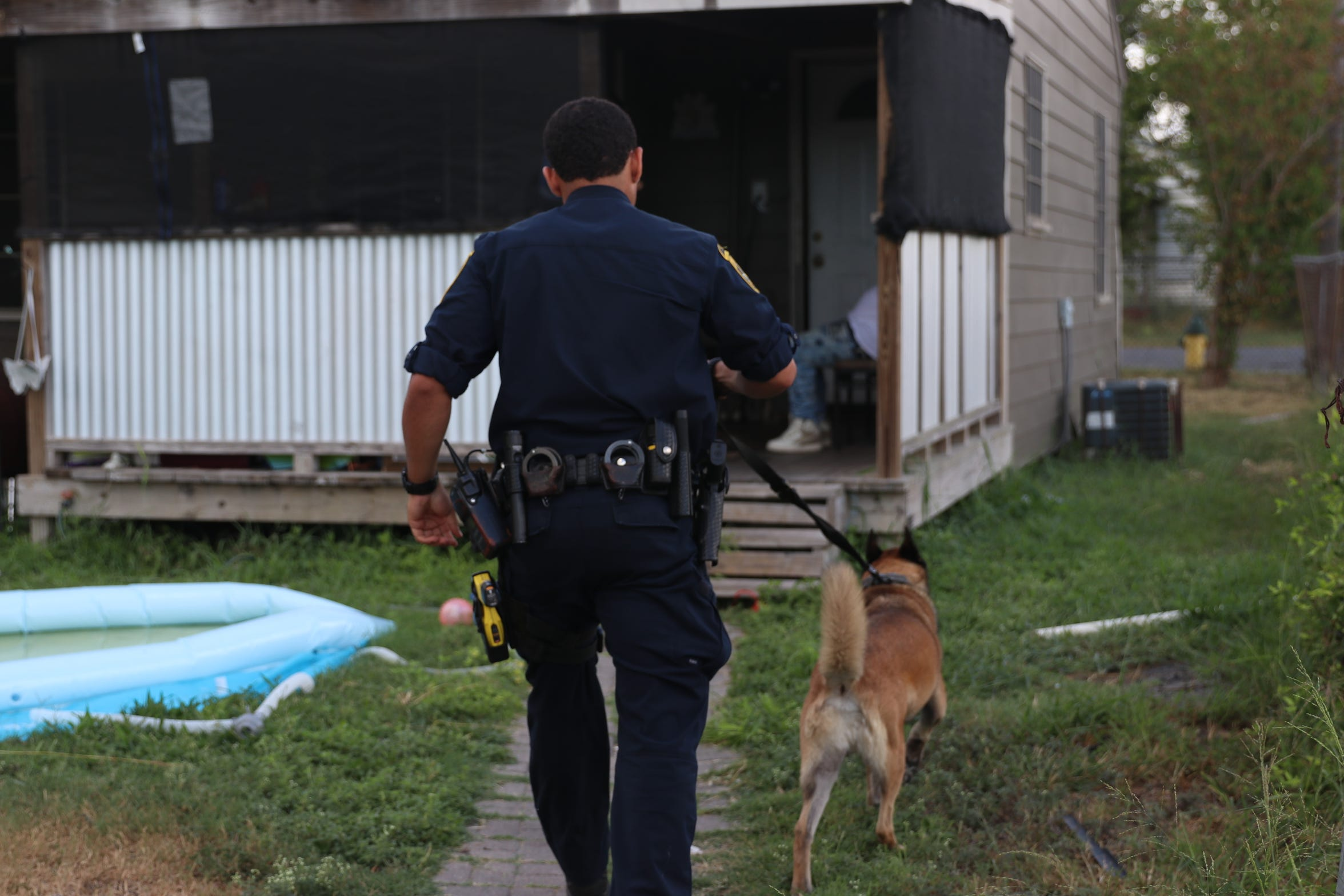 Corpus Christi police during a heroin-related warrant round-up on August 31, 2018.