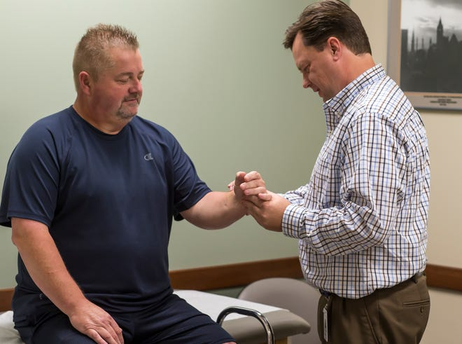The Orthopaedic Urgent Care is staffed with orthopaedic professionals and is located in our state-of-the-art facility, offering the latest equipment and technology to diagnose and treat your injuries.