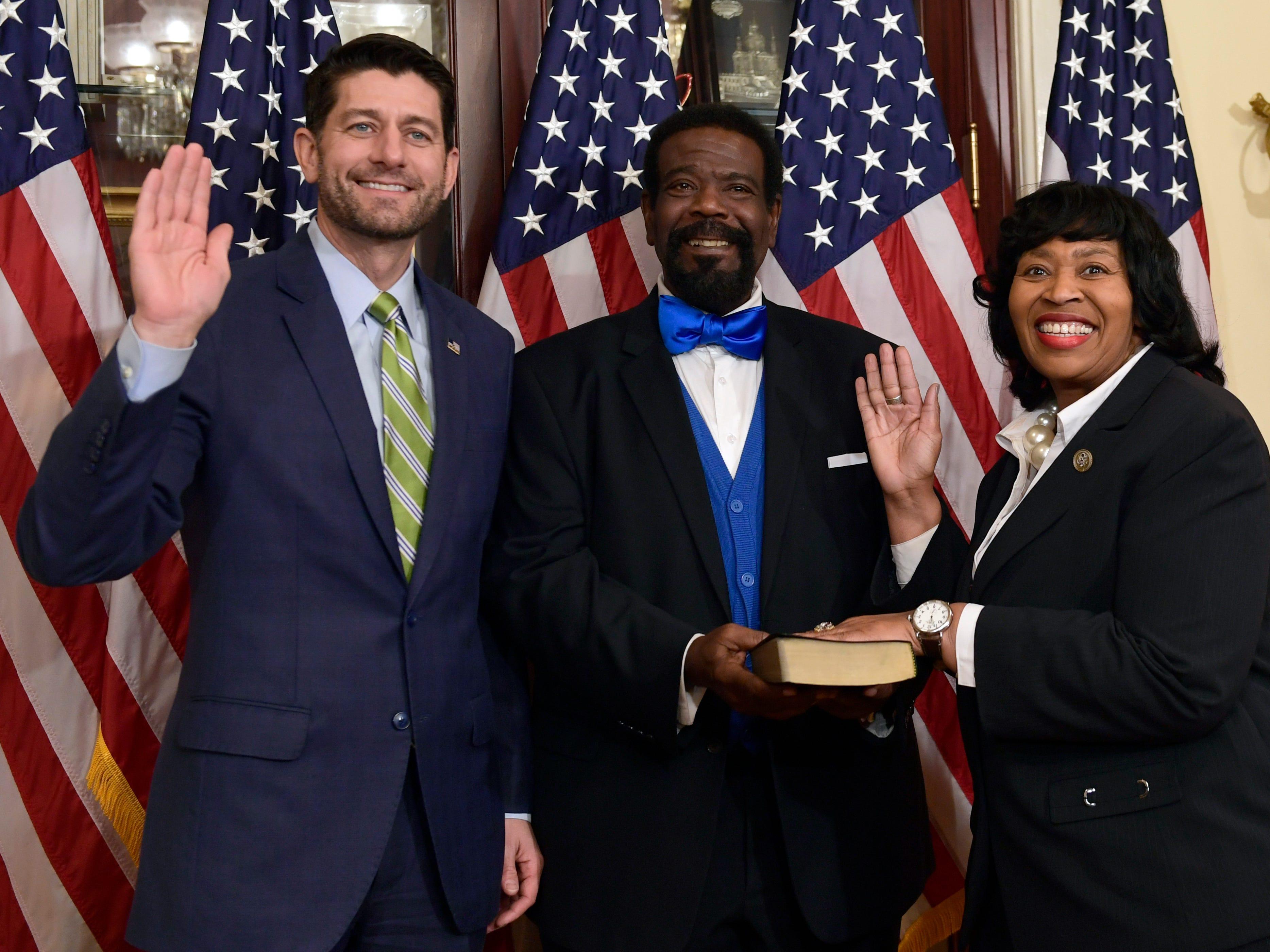 Brenda Jones sworn into Congress, Conyers' seat finally filled