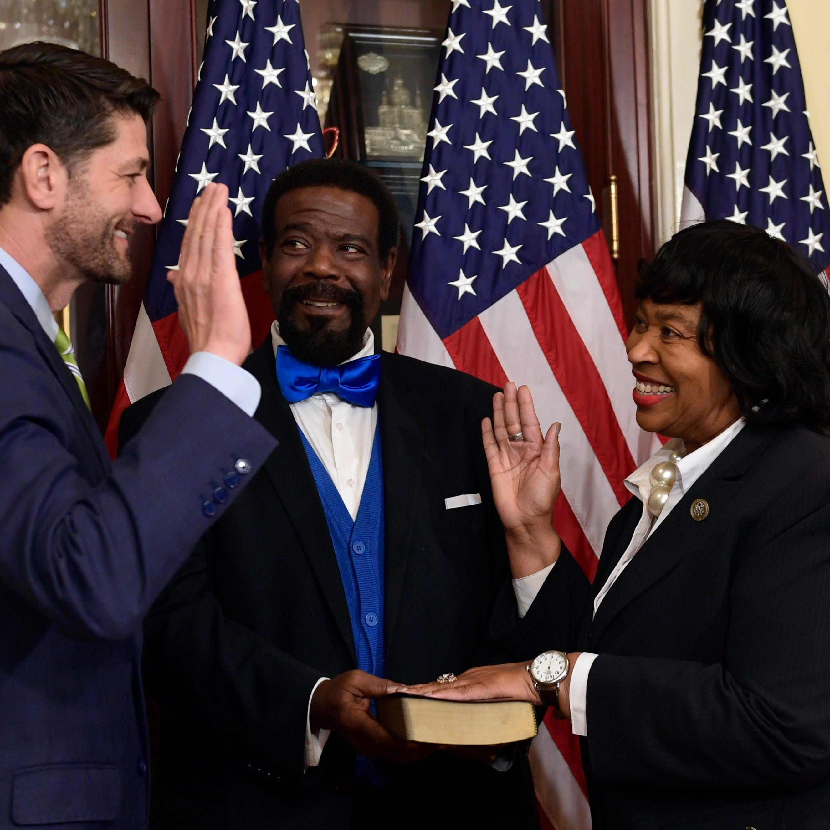 Jones sworn into Congress after deal reached