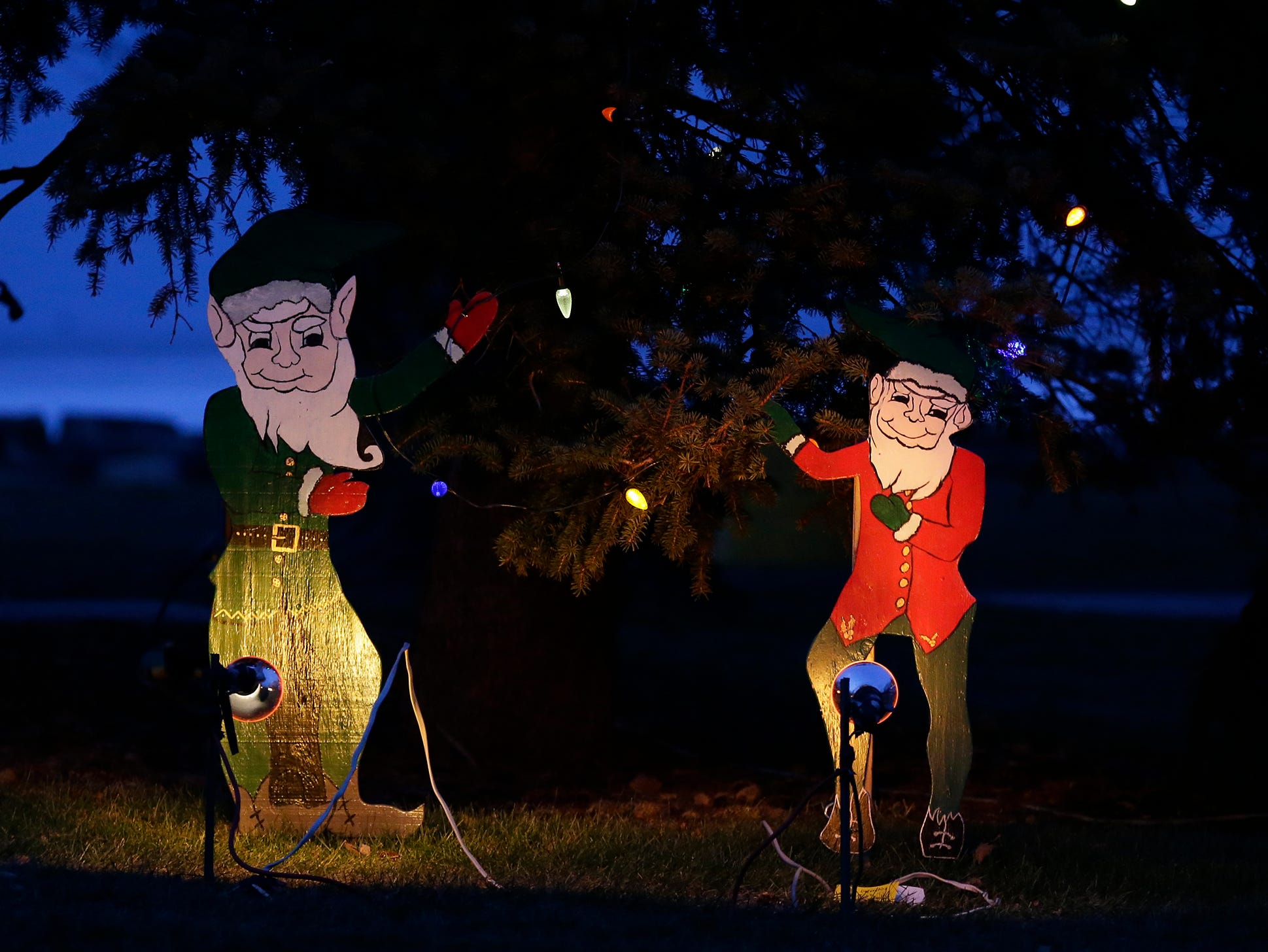 Holiday lights decorate Lakeside Park Wednesday, November 28, 2018 in Fond du Lac, Wisconsin. Doug Raflik/USA TODAY NETWORK-Wisconsin