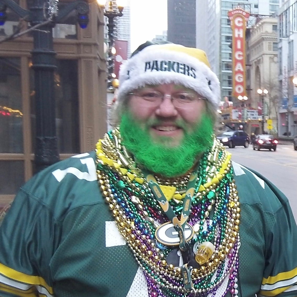 Packers fan awaits judge's ruling on Sunday game gear