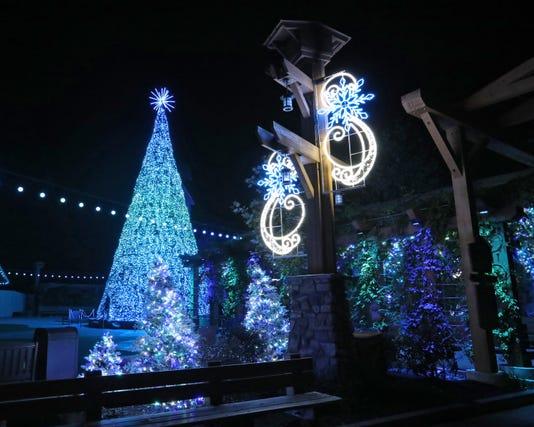 Smoky Mountain Christmas Ch 3524 Edited