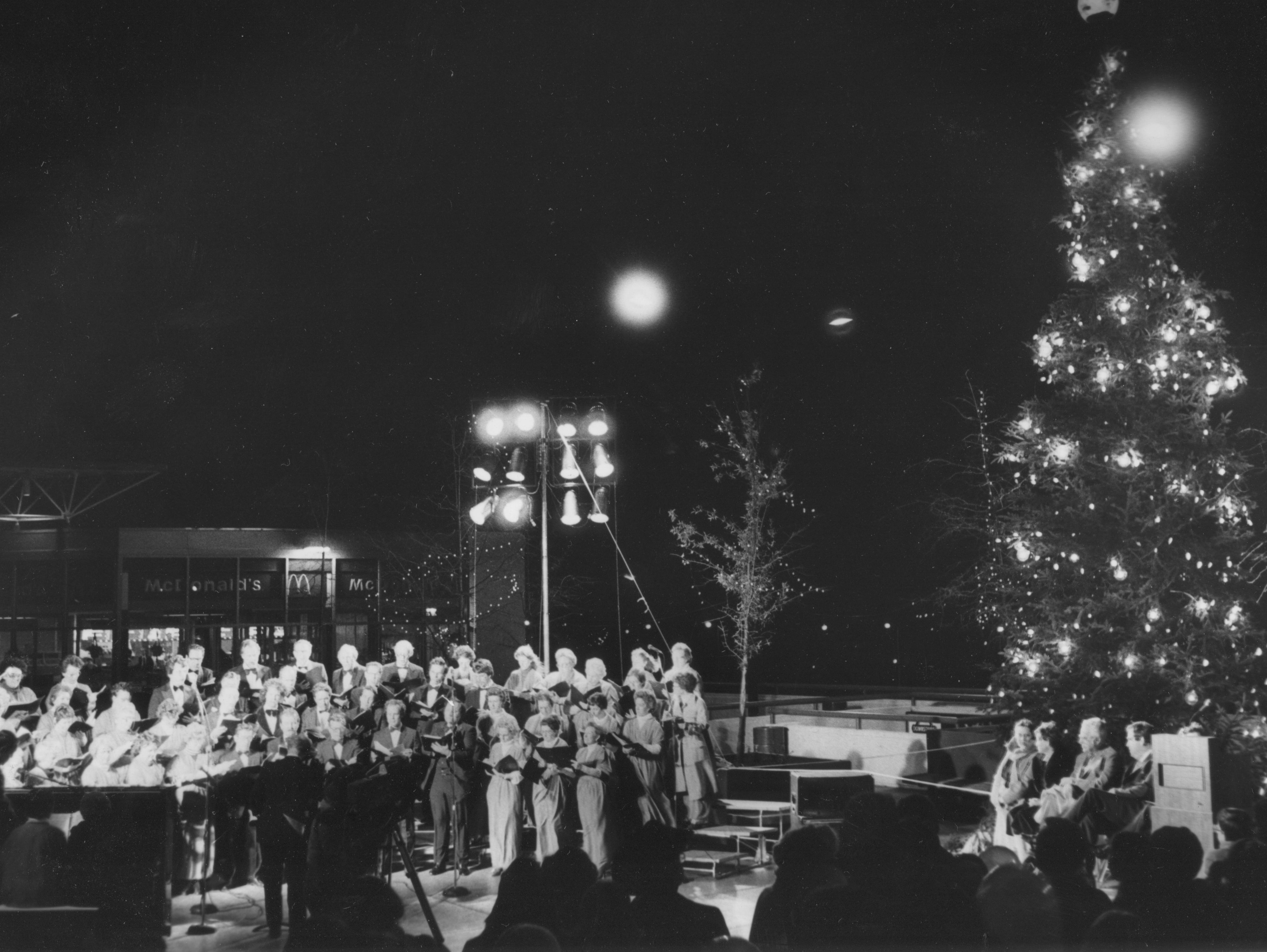 The Knoxville Choral Society performs during 'Christmas in the City' on Dec. 6, 1981, at Market Square.