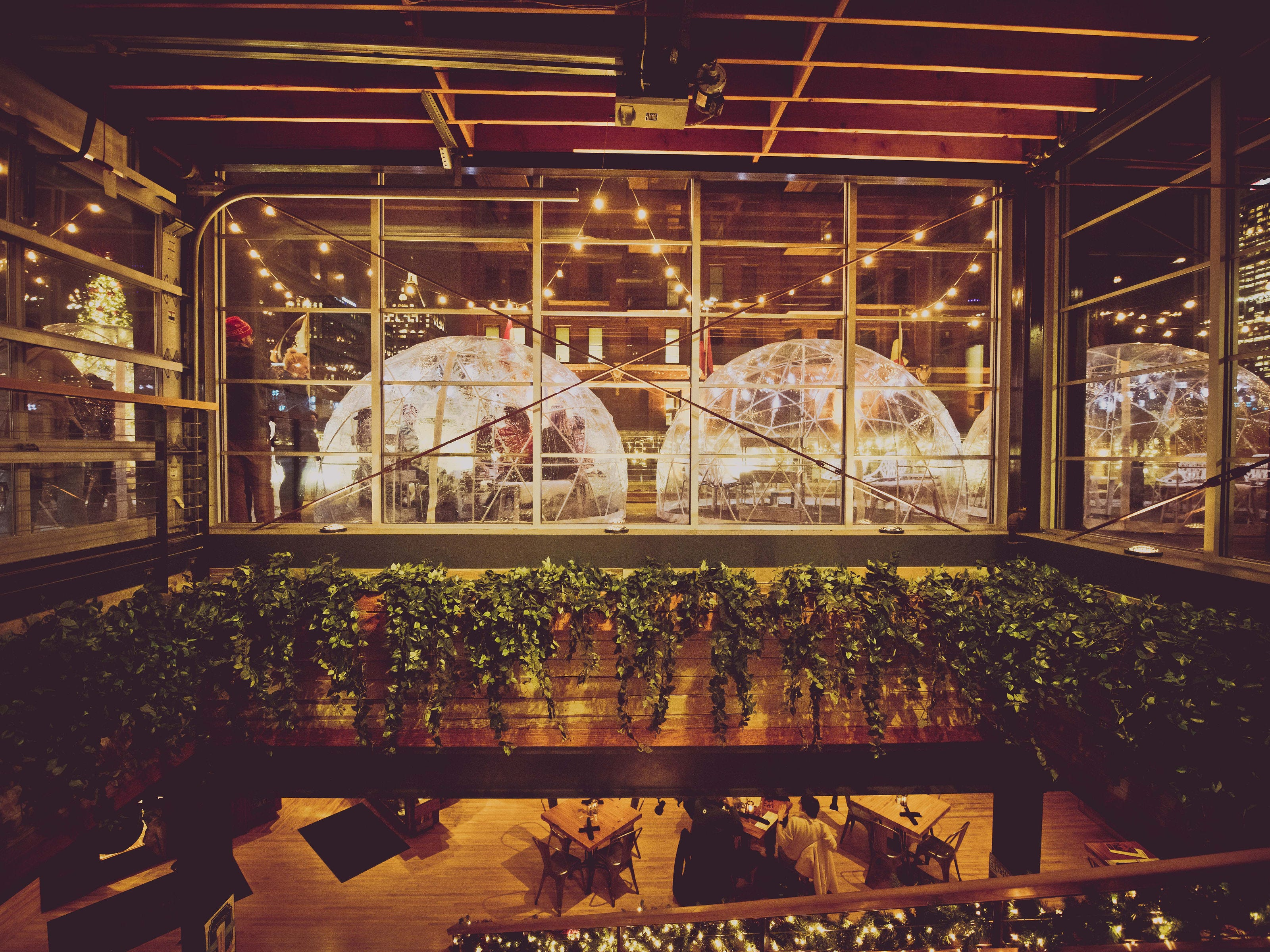 Café Benelux offers patrons six domes, each seating eight. Reservations are made in blocks of 90-minutes. Patrons can select from food and beverage packages.