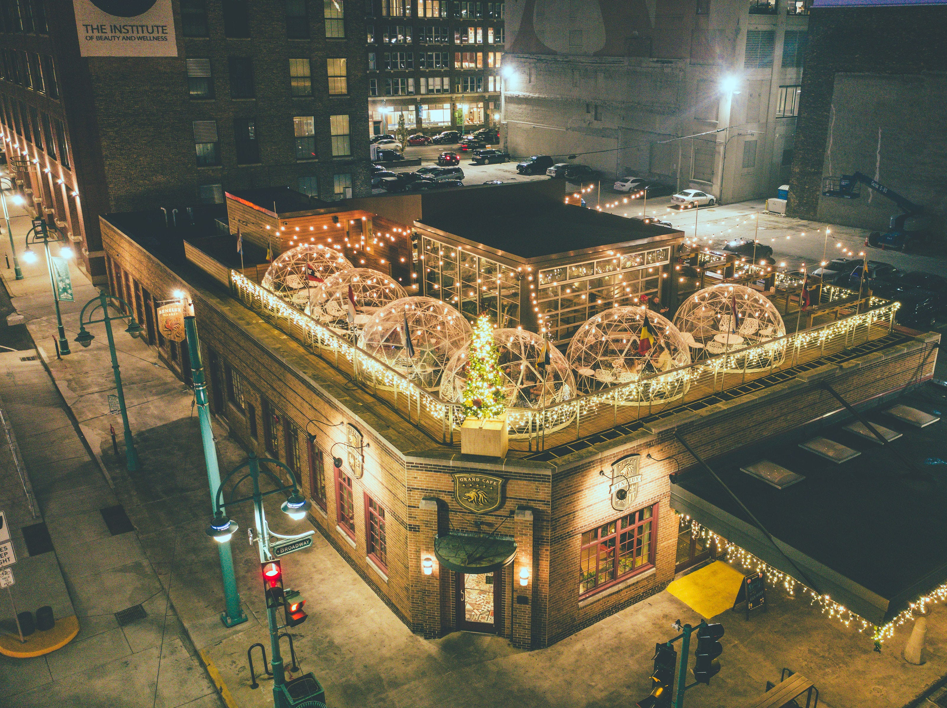 Café Benelux has added rooftop igloos so patrons can enjoy the great outdoors  all winter.