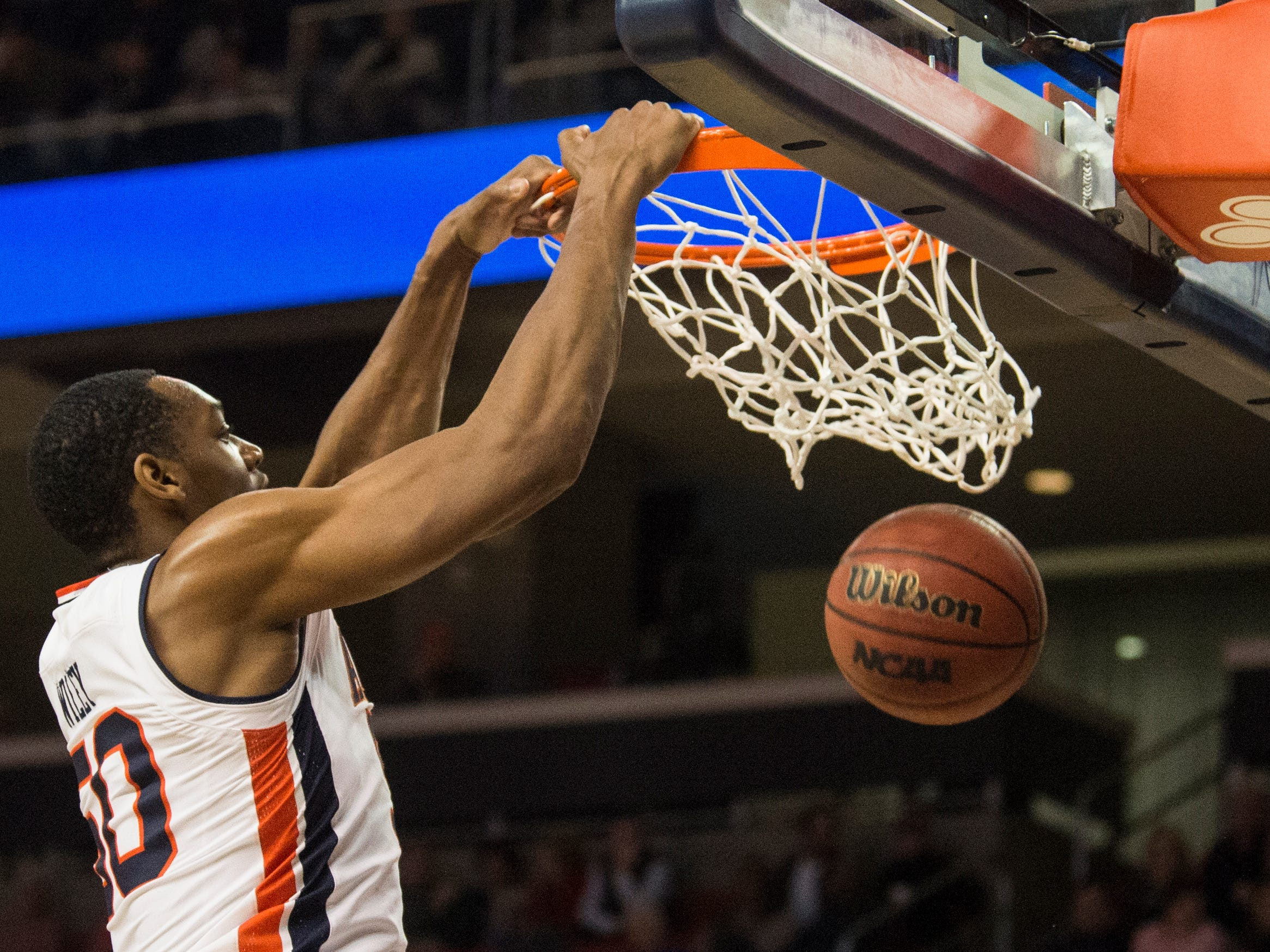 Auburn center Austin Wiley (50) dunks the ball against Saint Peter's at Auburn Arena in Auburn, Ala., on Wednesday, Nov. 28, 2018. Auburn defeated Saint Peter's 99-49.