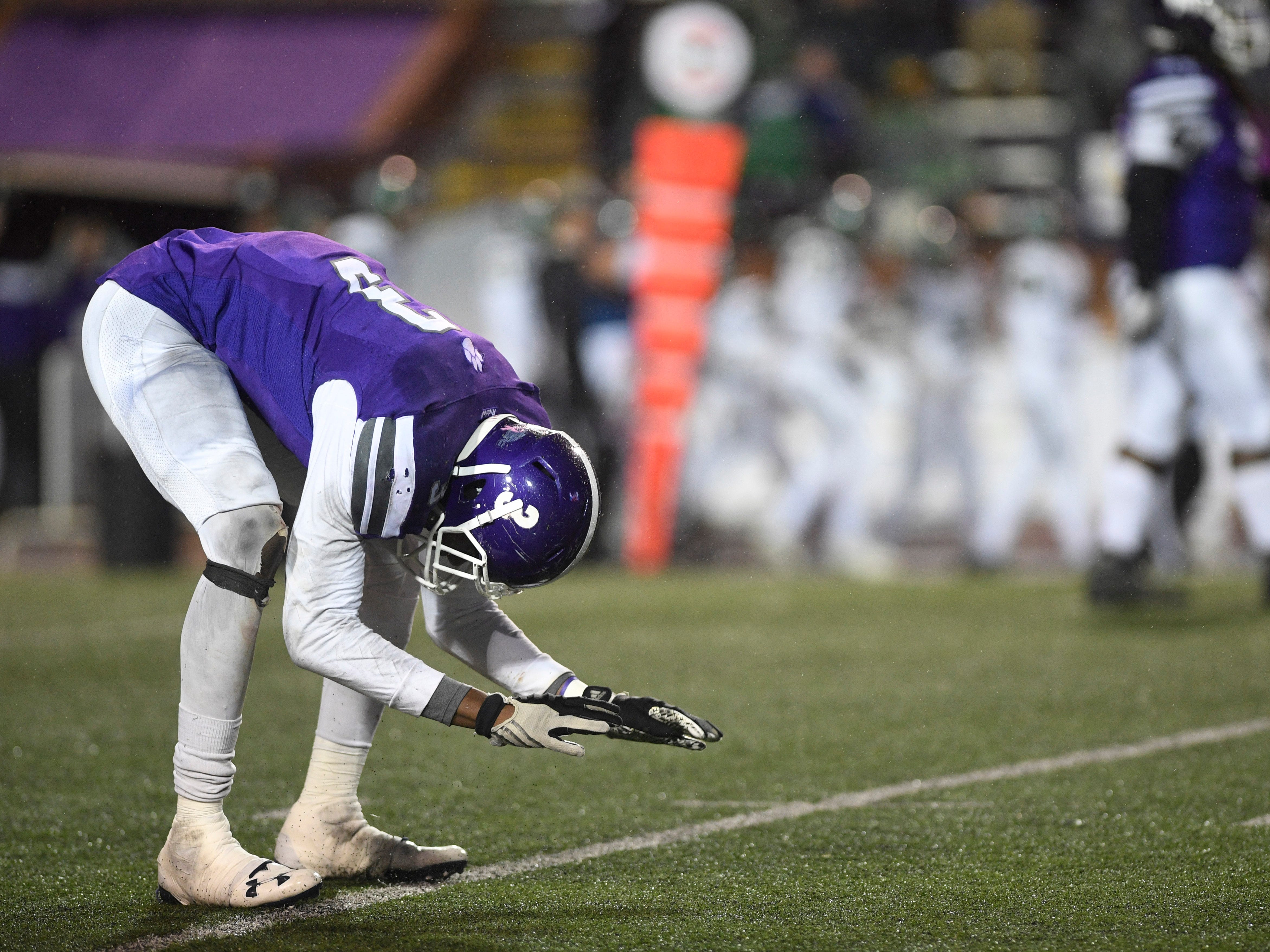 Haywood's  Marquis Pugh (3) throws his arms down in disappointment after a touchdown in the second half during the Class 4A BlueCross Bowl state championship at Tennessee Tech's Tucker Stadium in Cookeville, Tenn., on Thursday, Nov. 29, 2018.