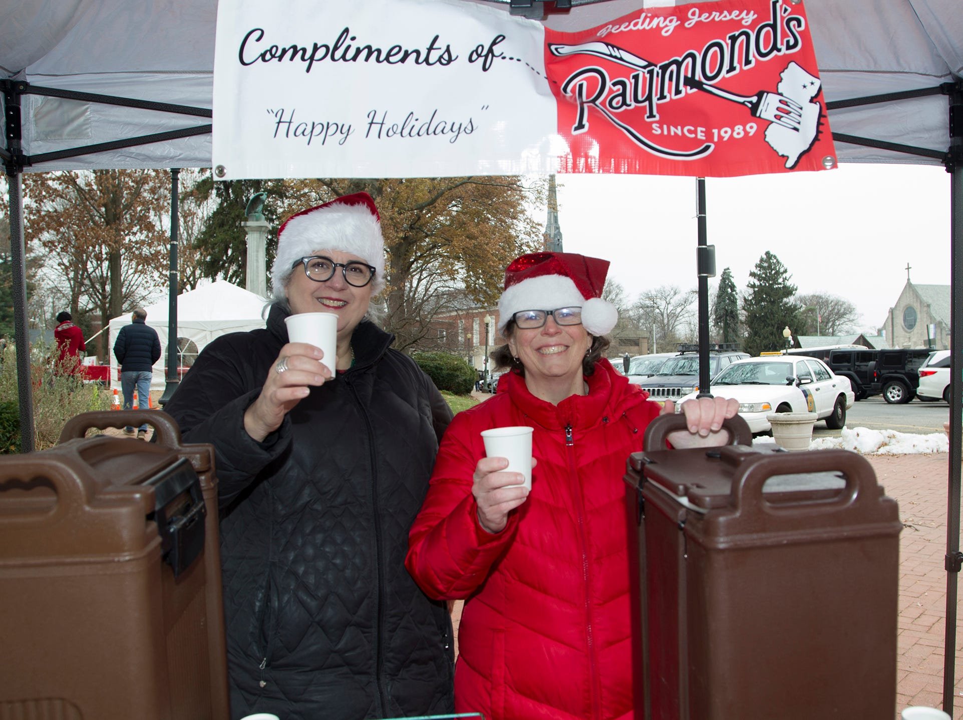 Joanne Ricci and Erin Wendt. The Ridgewood Guild sponsors Winter Fest at Van Neste Park in Ridgewood. 11/24/2018