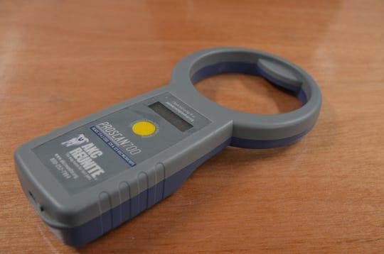 Microchip scanner.
