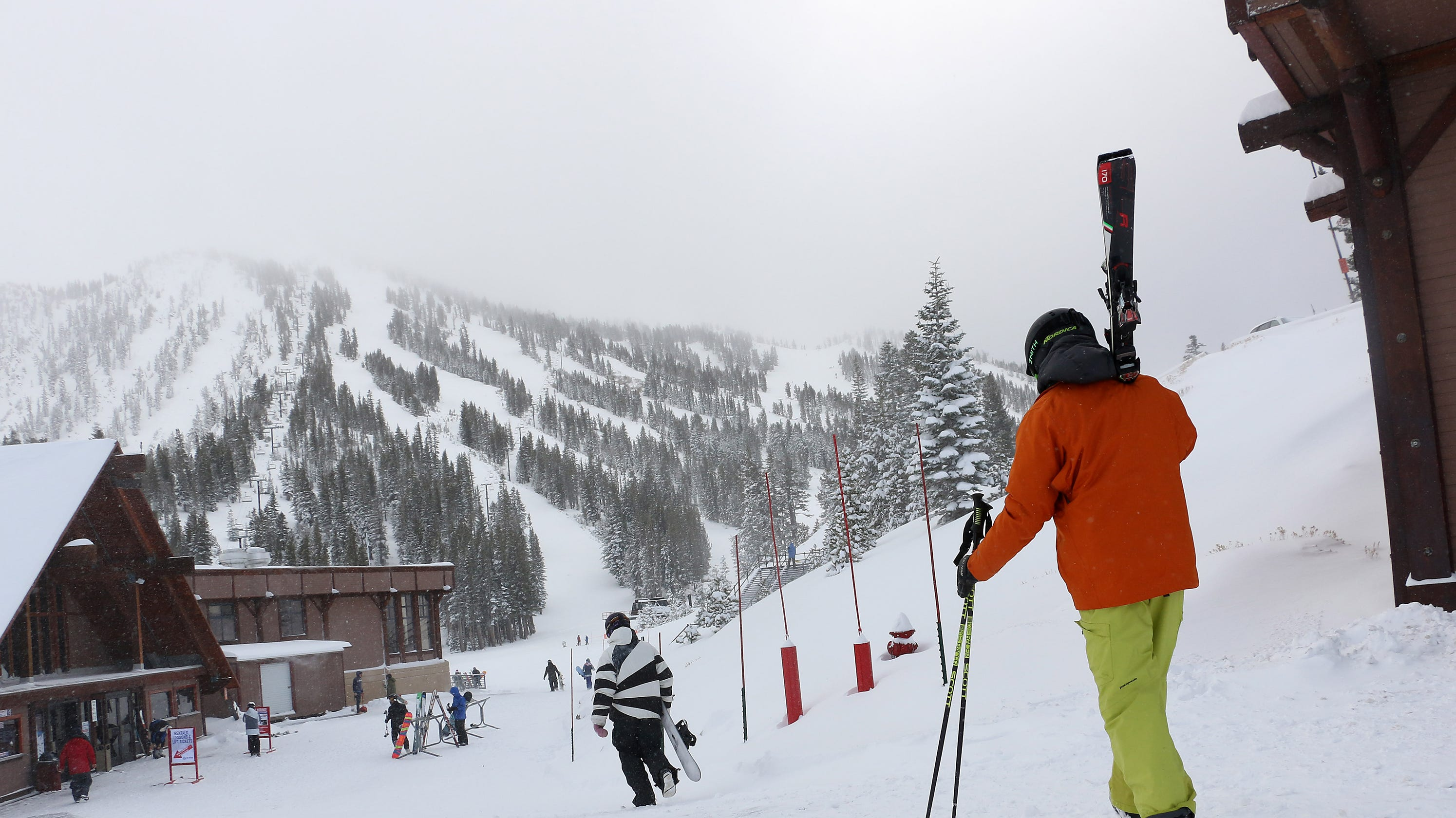 how much snow did area ski resorts get for christmas