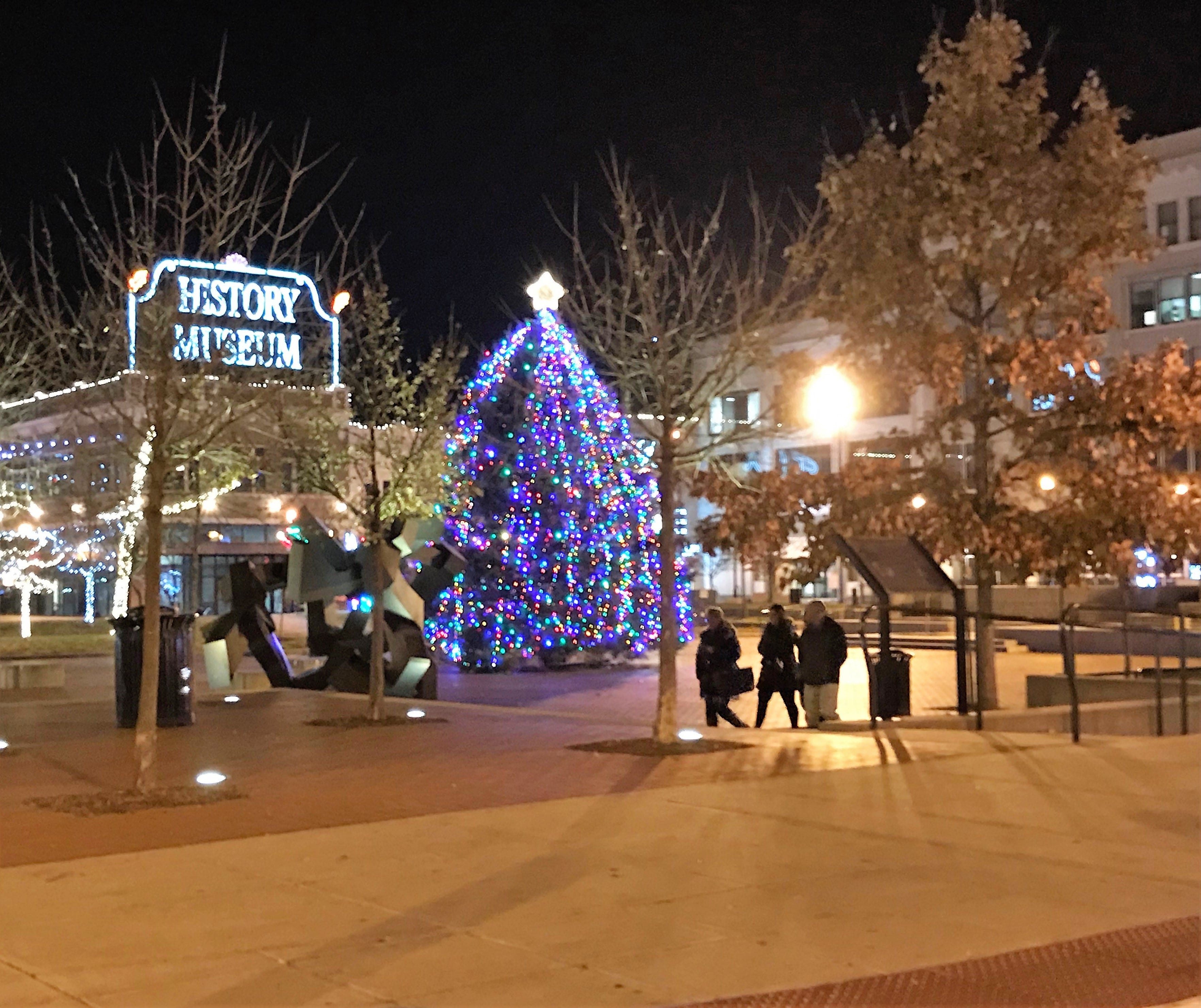 2021 Christmas Lights Springfield Mo Springfield Tree Lighting Ceremony Will Look Different Amid Covid 19