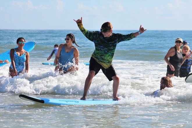 The Surfers For Autism mission is to unlock the potential of people with developmental delays, and to support advocacy for autism issues and scientific research. Its focus is to eliminate stigma through public education and awareness and to unite communities through volunteerism.