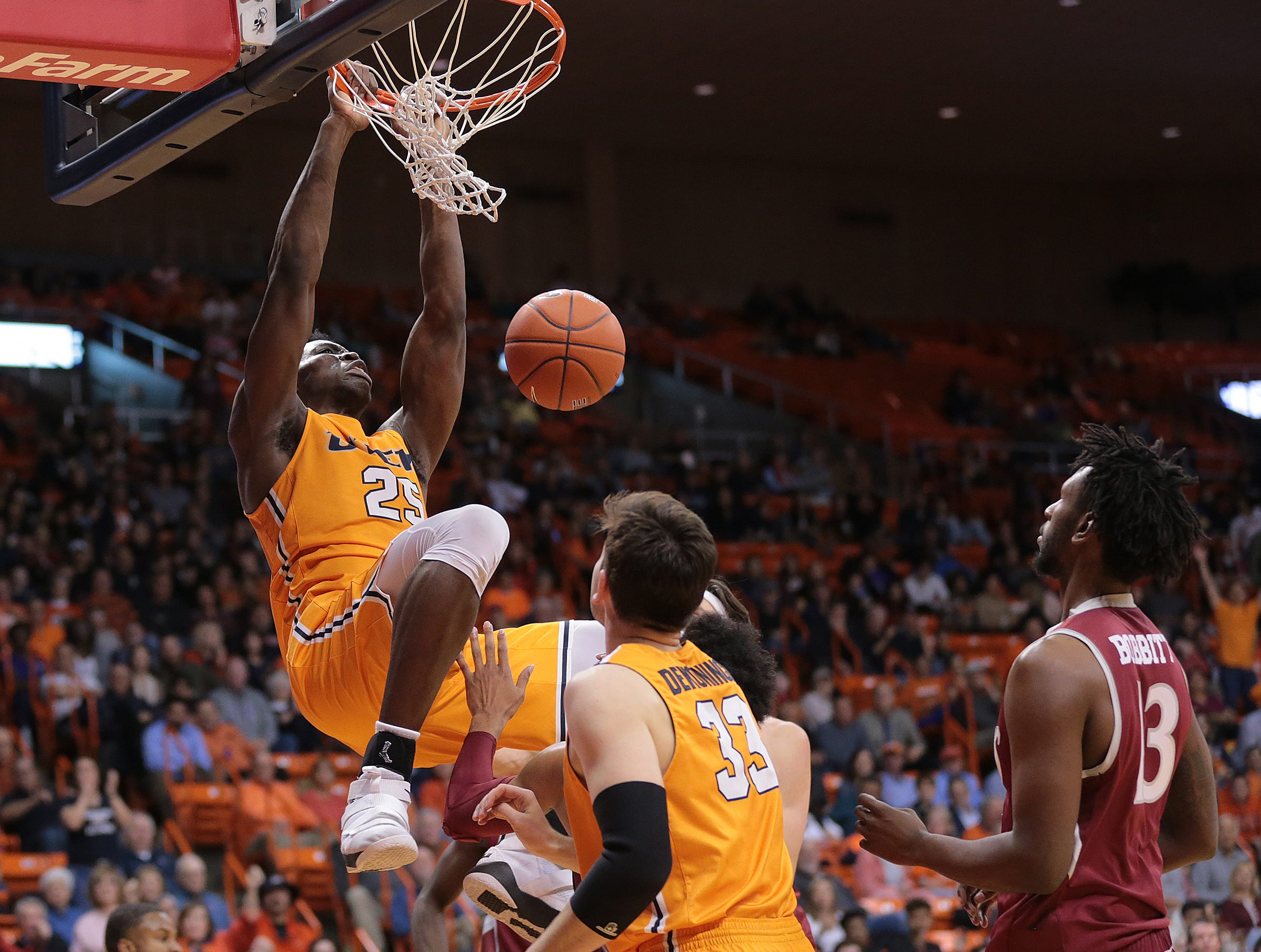 The UTEP Miners came close but lost to NMSU on Wednesday night at the Don Haskins Center. The final score was 62-58.