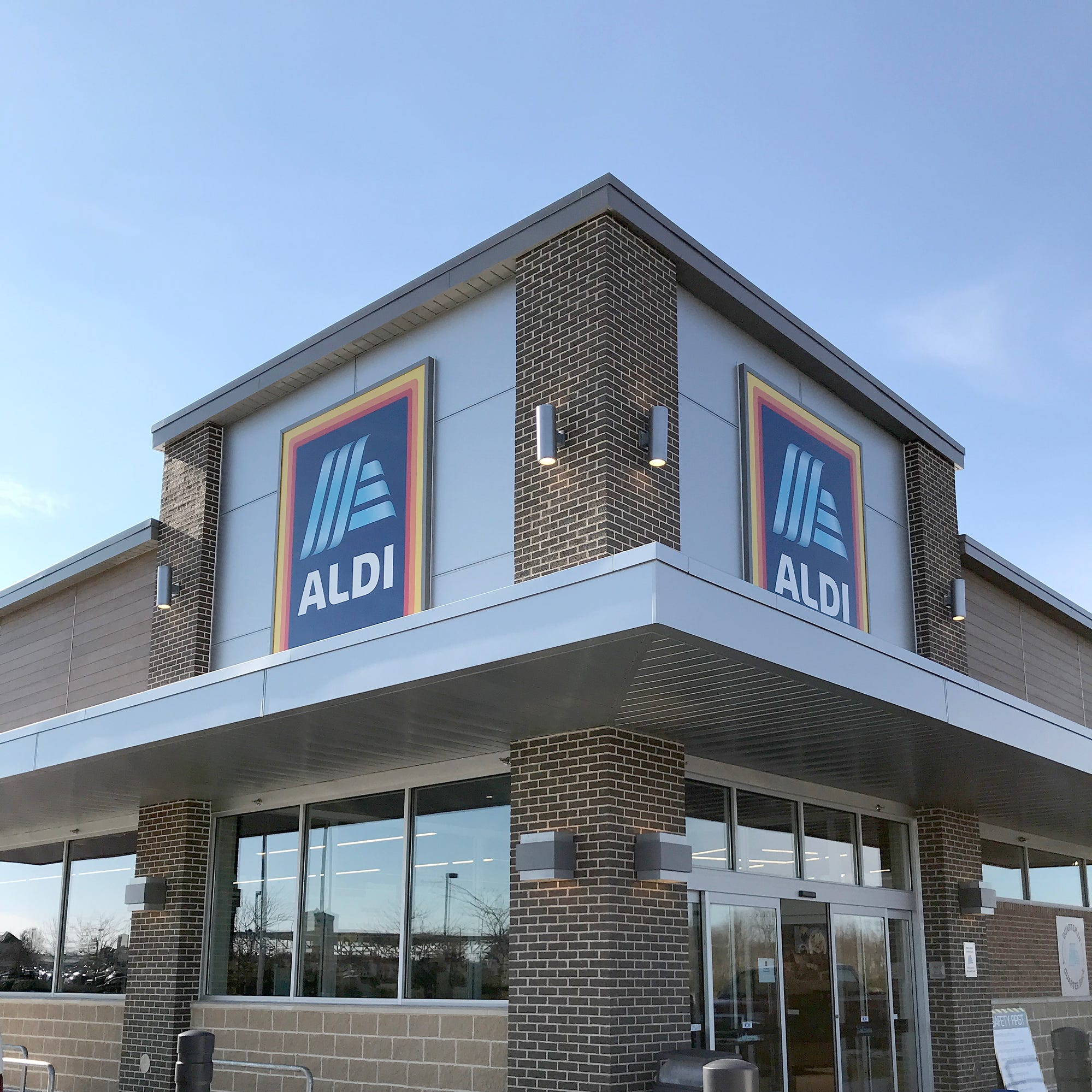 ALDI grocery store opens new location in Carmel