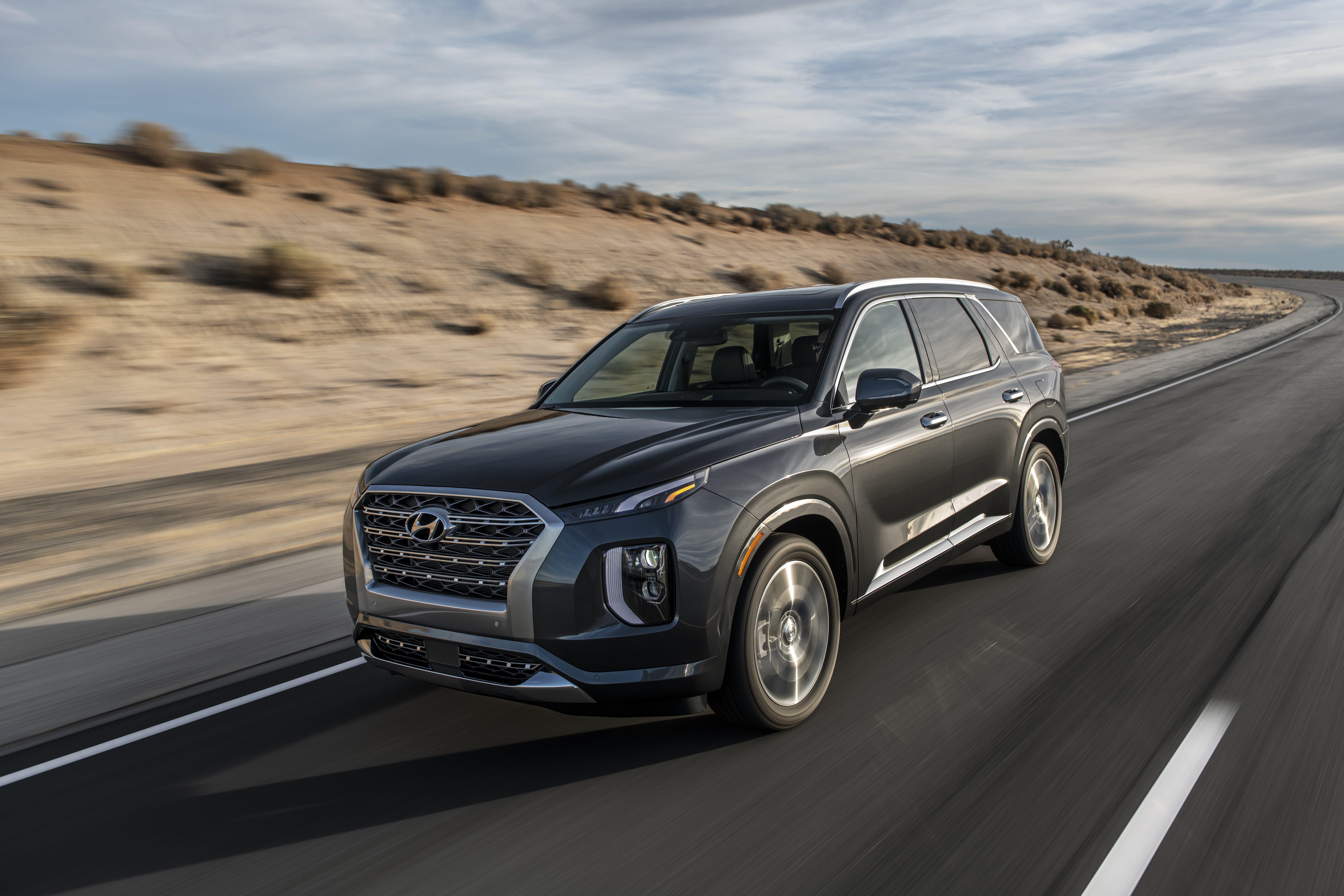La Auto Show Hyundai Palisade 3 Row Suv Makes Global Debut
