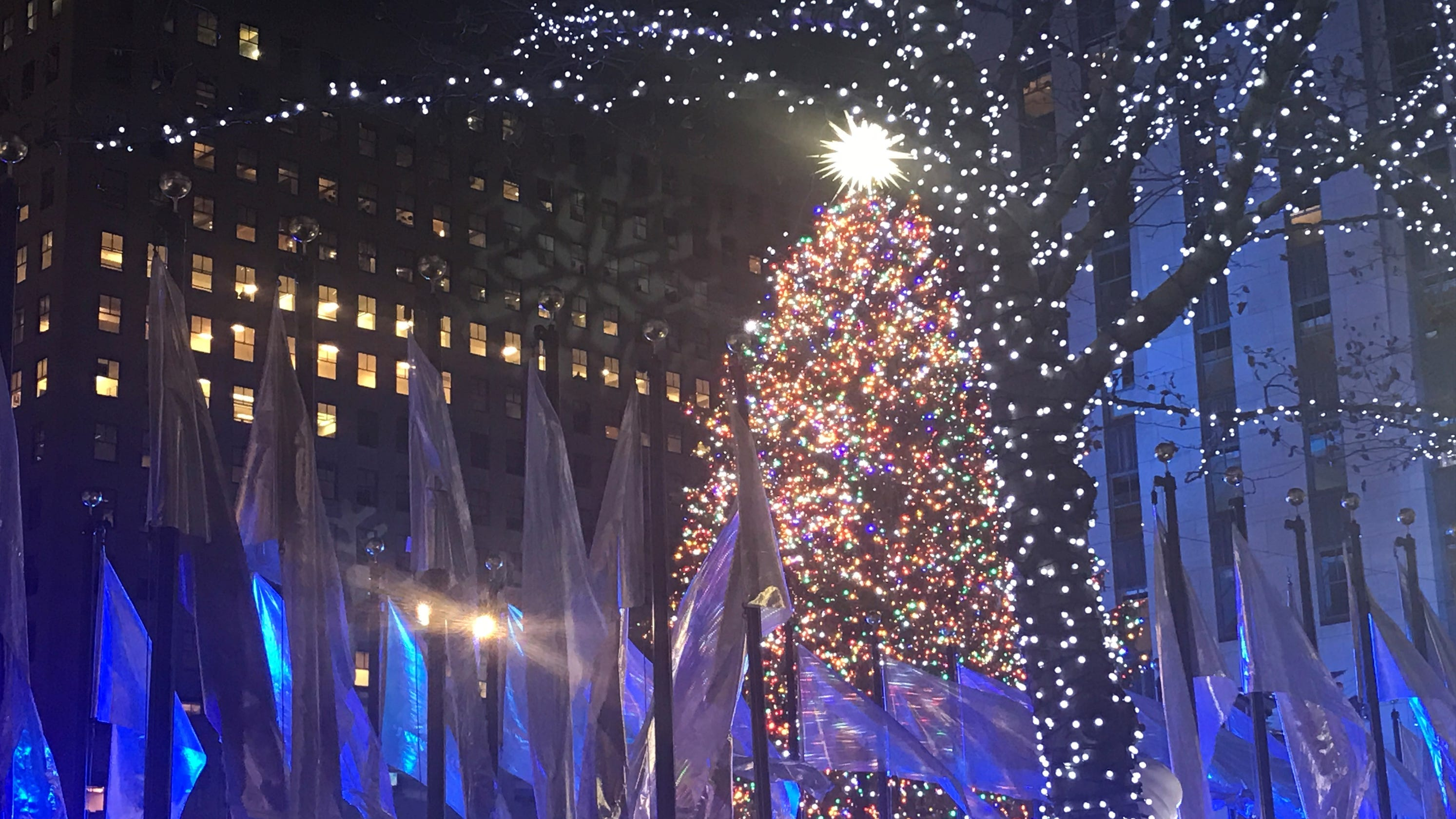 Lighting Of Rockefeller Christmas Tree.Rockefeller Center Christmas Tree Fans Flock To See