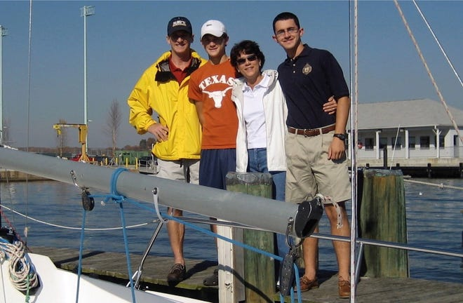 From left to right: Scott, Carson, Julia and Hayden Starkey in Annapolis, Maryland, on November 10, 2006.