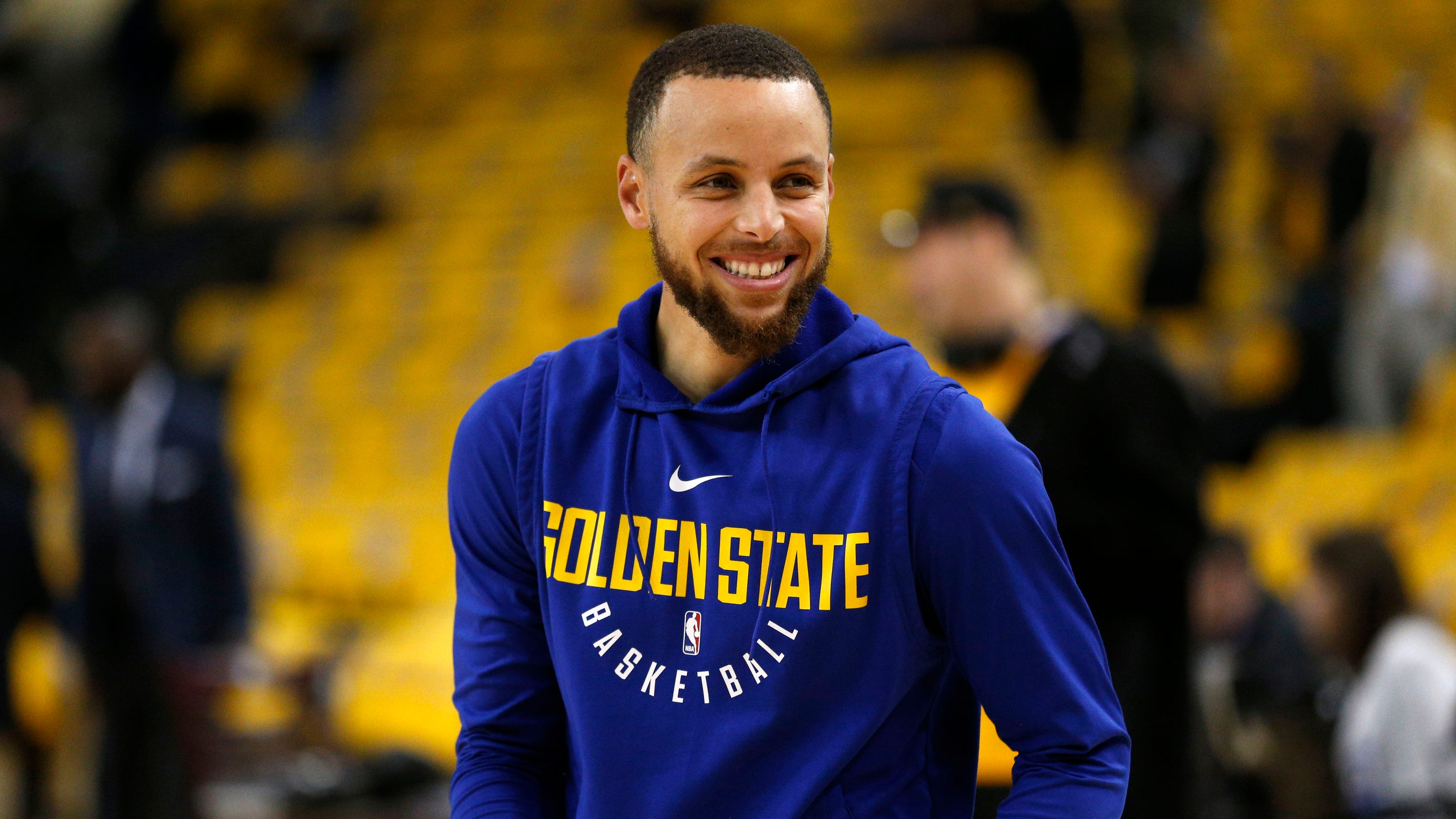 55839d75903 Warriors  Steph Curry responds to 9-year-old who wants his shoes to be  available to girls