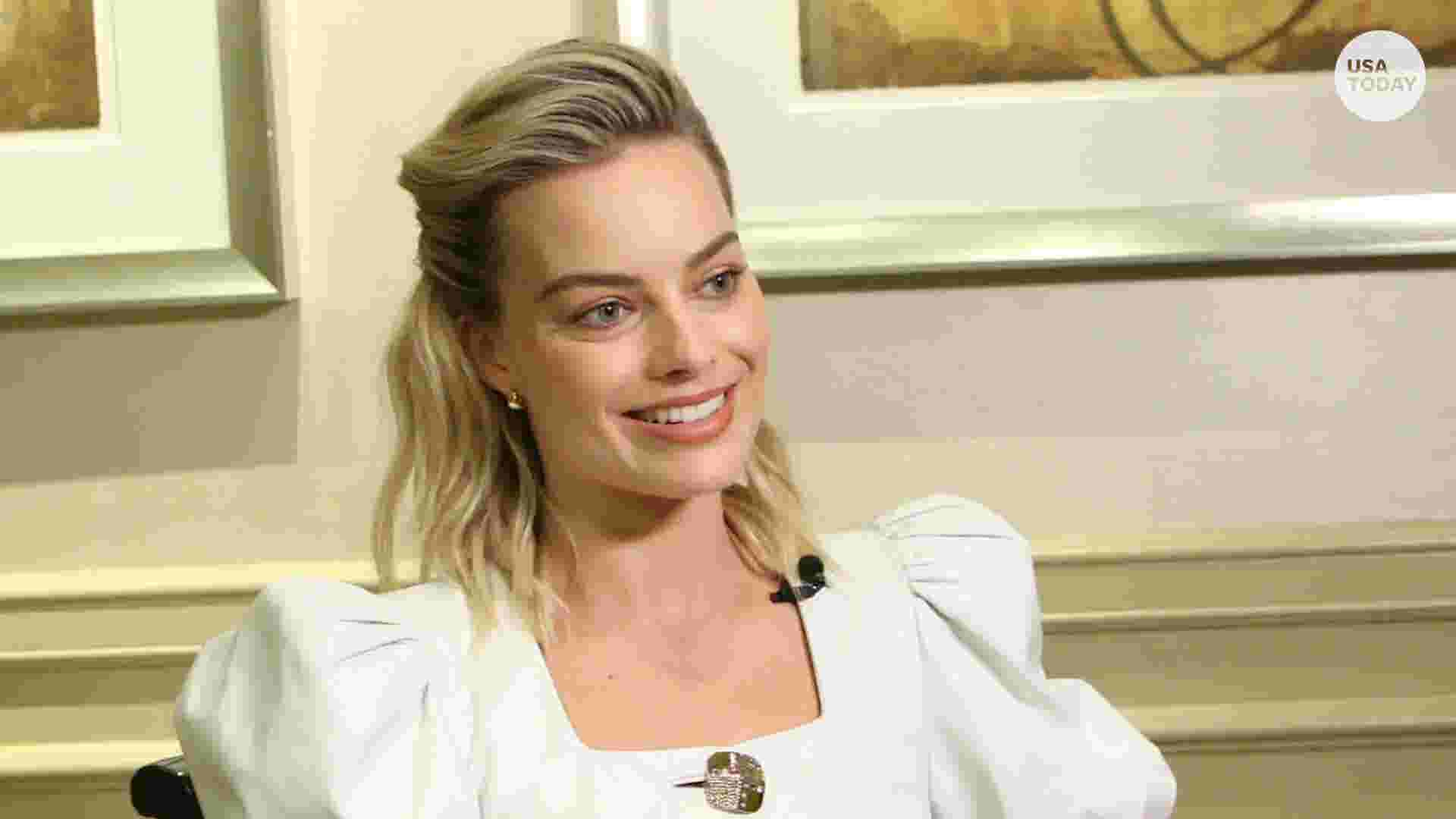 64af85b8abd  Mary Queen of Scots  star Margot Robbie gets royally honest about  girl  gangs