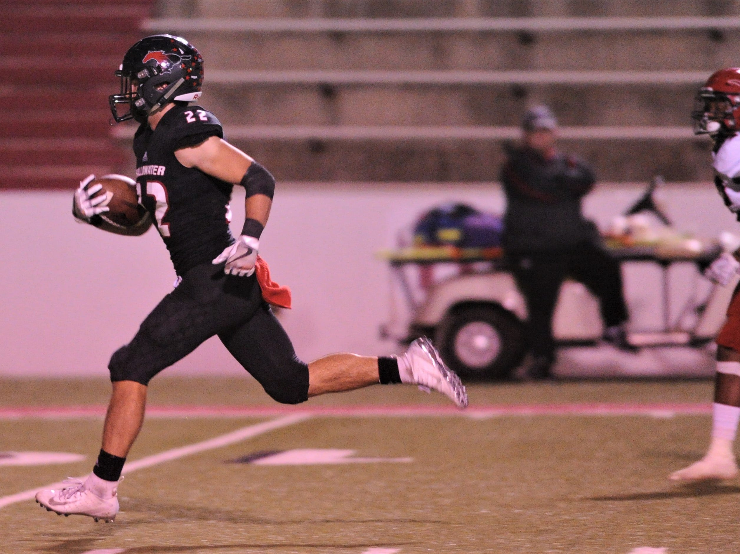 Shallowater's Hayden VanderRoest, right, runs for a touchdown against Eastland. Shallowater beat the Mavericks 56-21 in the Region I-3A Division I semifinal playoff game Thursday, Nov. 29, 2018, at the Mustang Bowl in Sweetwater.
