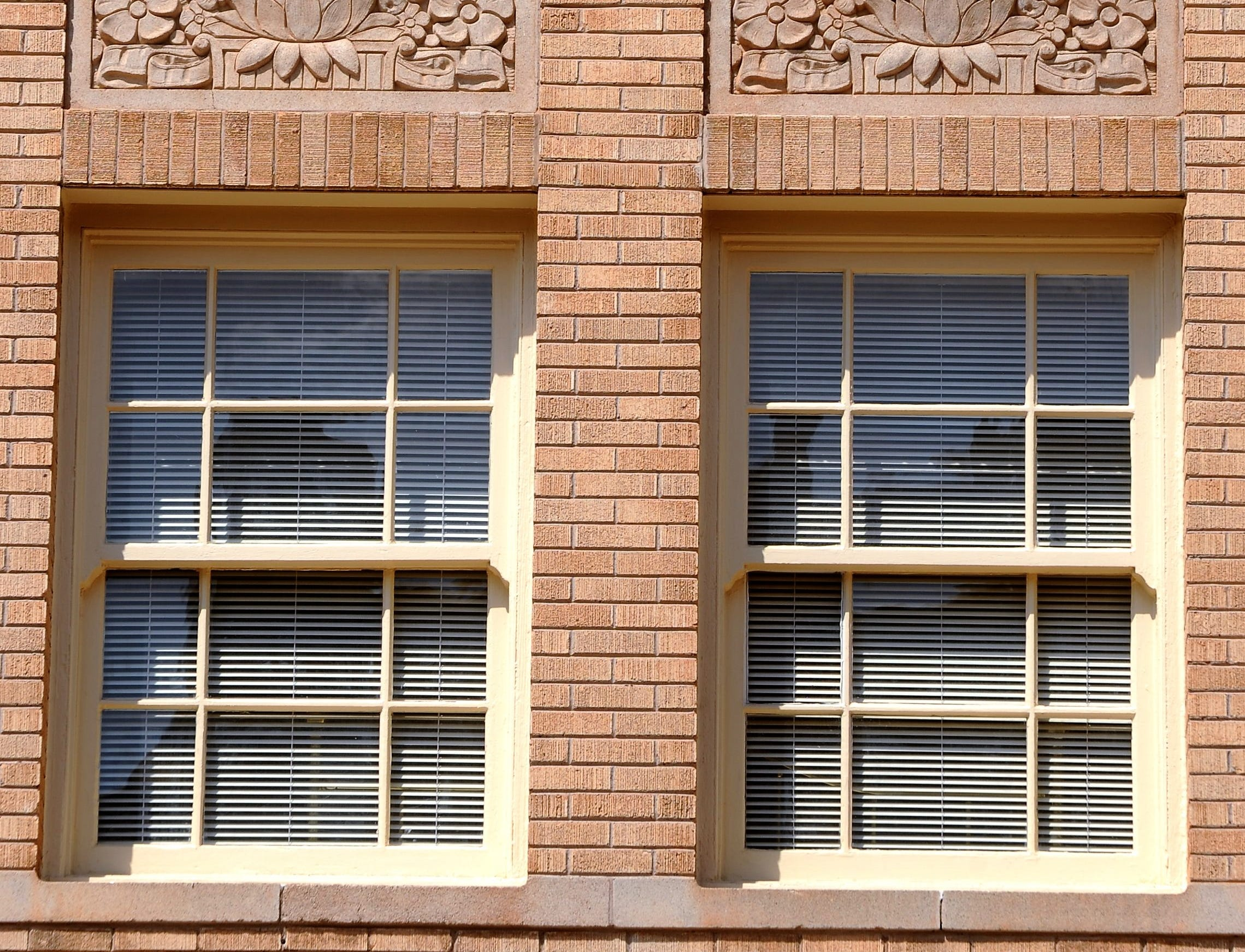 Detail on the Hotel Wooten building.