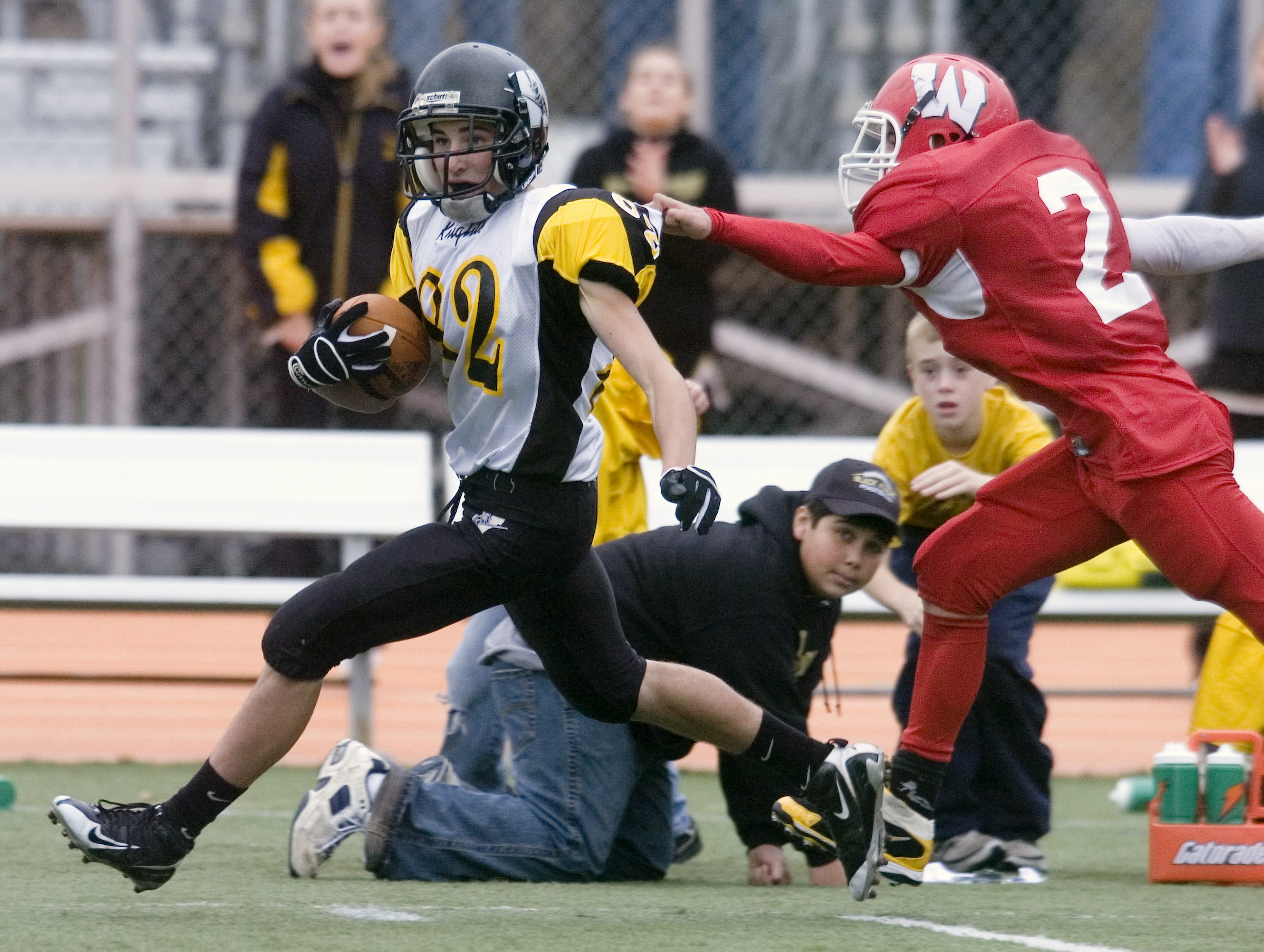 From 2008: Waverly's Brett Sewalt, right, grabs Windsor's Mike Gnall in the fourth quarter of Saturday's game at Ty Cobb Stadium.