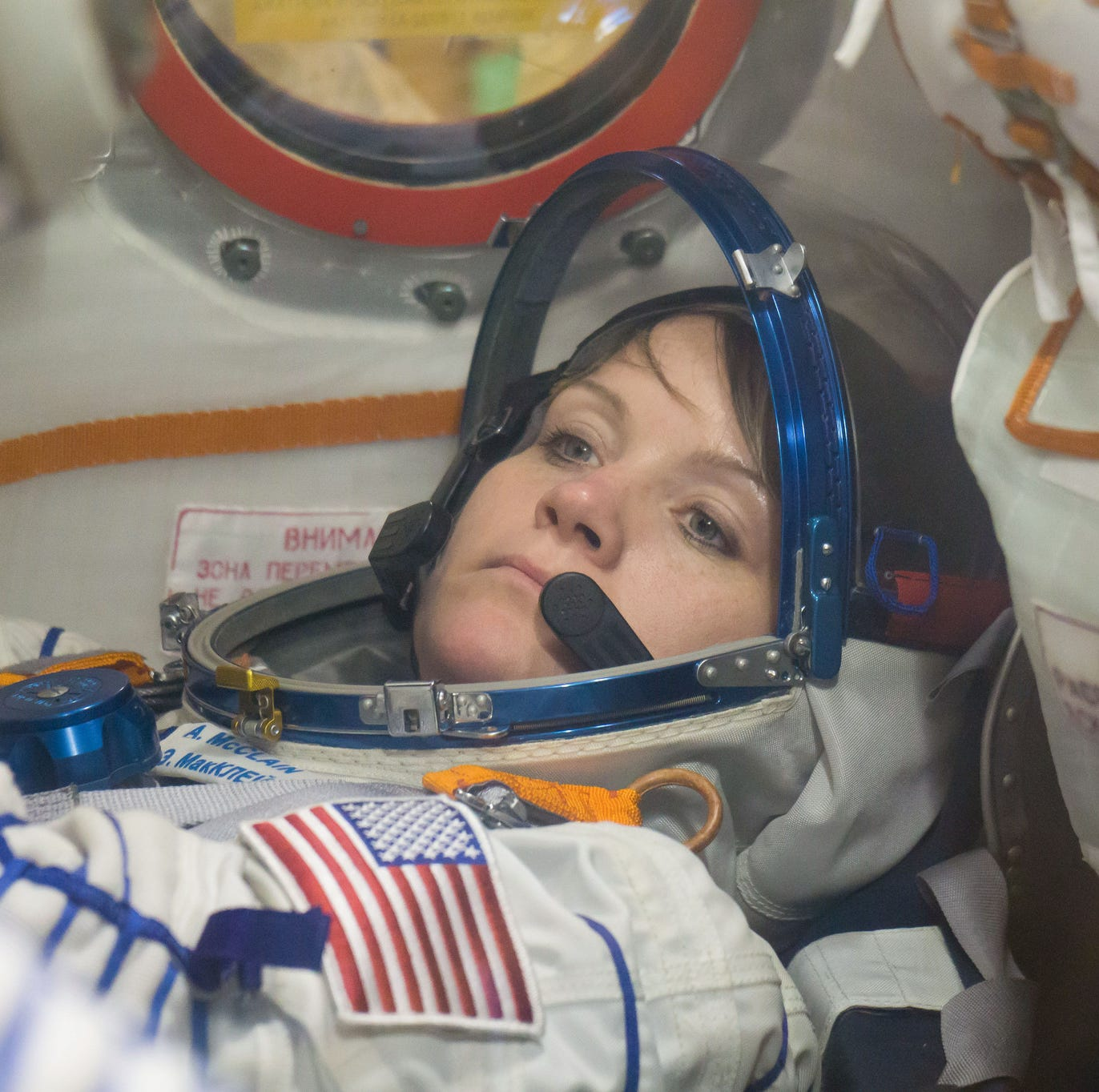 Historic all-female spacewalk canceled — there weren't 2 medium-sized spacesuits