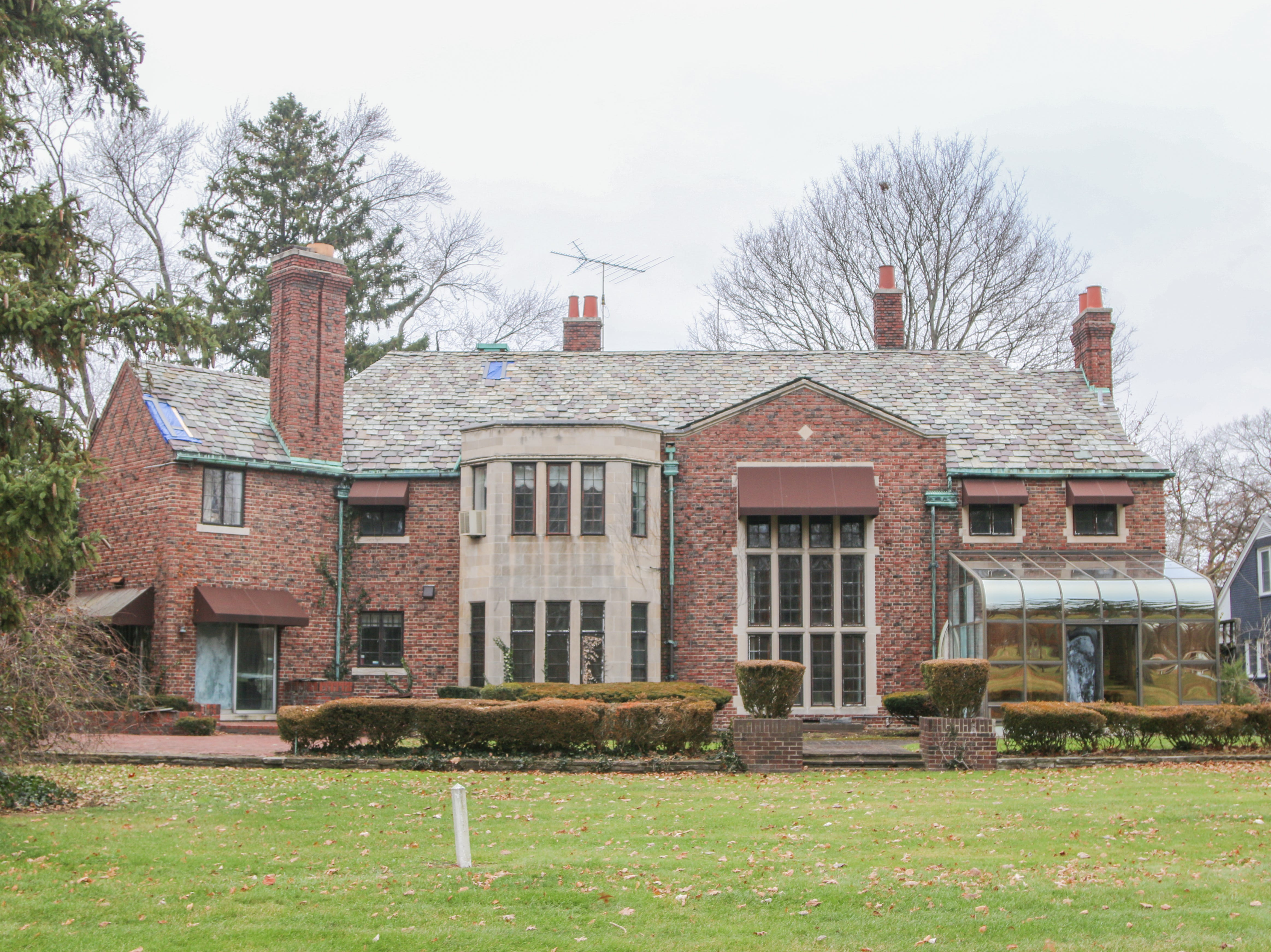 Aretha Franklin's former Detroit home: What it looks like on inside