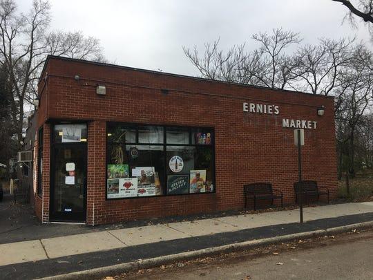 Ernie's Market in Oak Park
