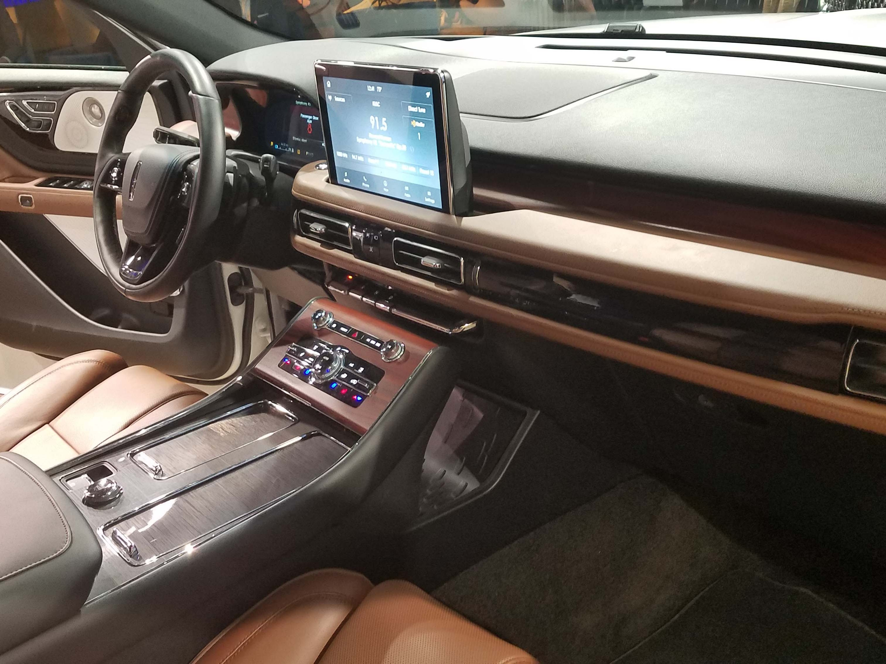 The Lincoln Aviator's interior is reminiscent of its opulent sibling, the Navigator.