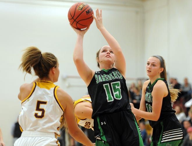 The No. 5 Fossil Ridge girls basketball team plays at No. 6 Cherry Creek at 7:30 p.m. Friday.