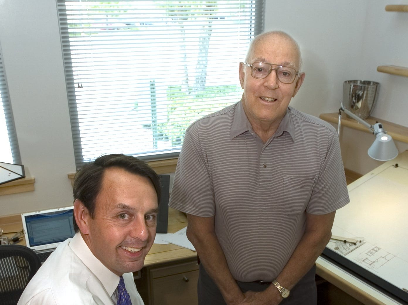 -  -Text: July 7, 2005 Photo by Michael Clevenger Wayne Estopinal, left, and Dick Scott, right. For a Moss profile.-  -Caption: By Michael Clevenger, The Courier-Journal; Wayne Estopinal, left, used to spend vacations working for Scott. Now they've switched roles.