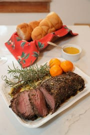 This roast beef tenderloin fpr sandwiches is coated with a dry rub and served with spicy steakhouse aioli.