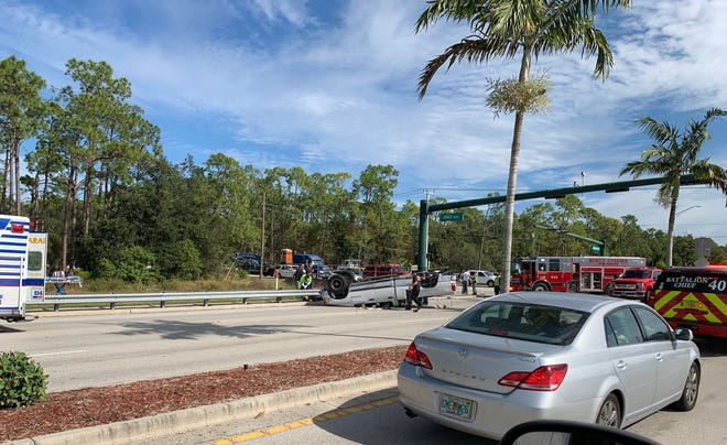 The intersection at Oakes Boulevard and Vanderbilt Beach Road is shut down due to a crash as of 11:30 a.m. on Nov. 30, 2018.